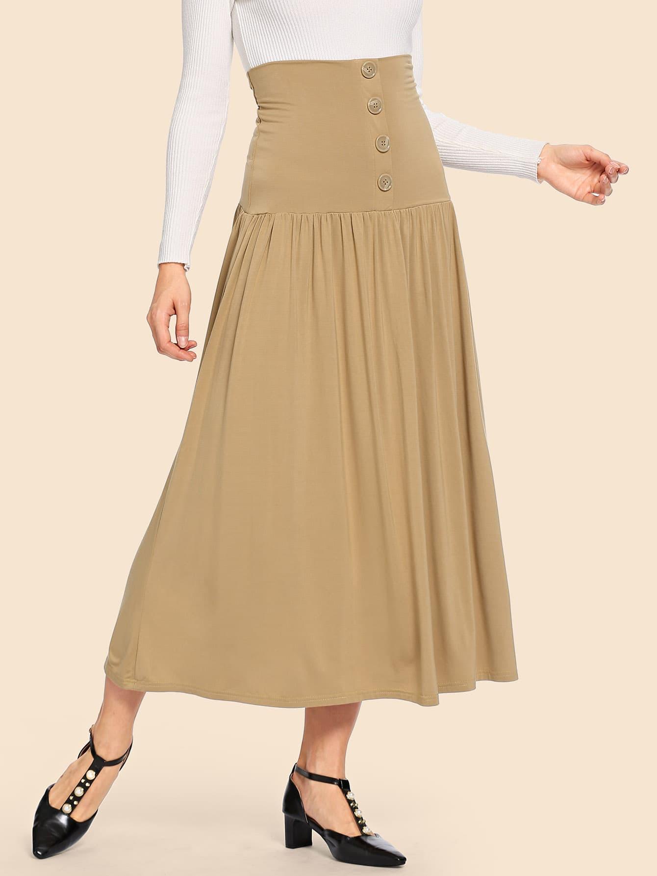 Плиссированная асимметричная юбка с украшением пуговицы