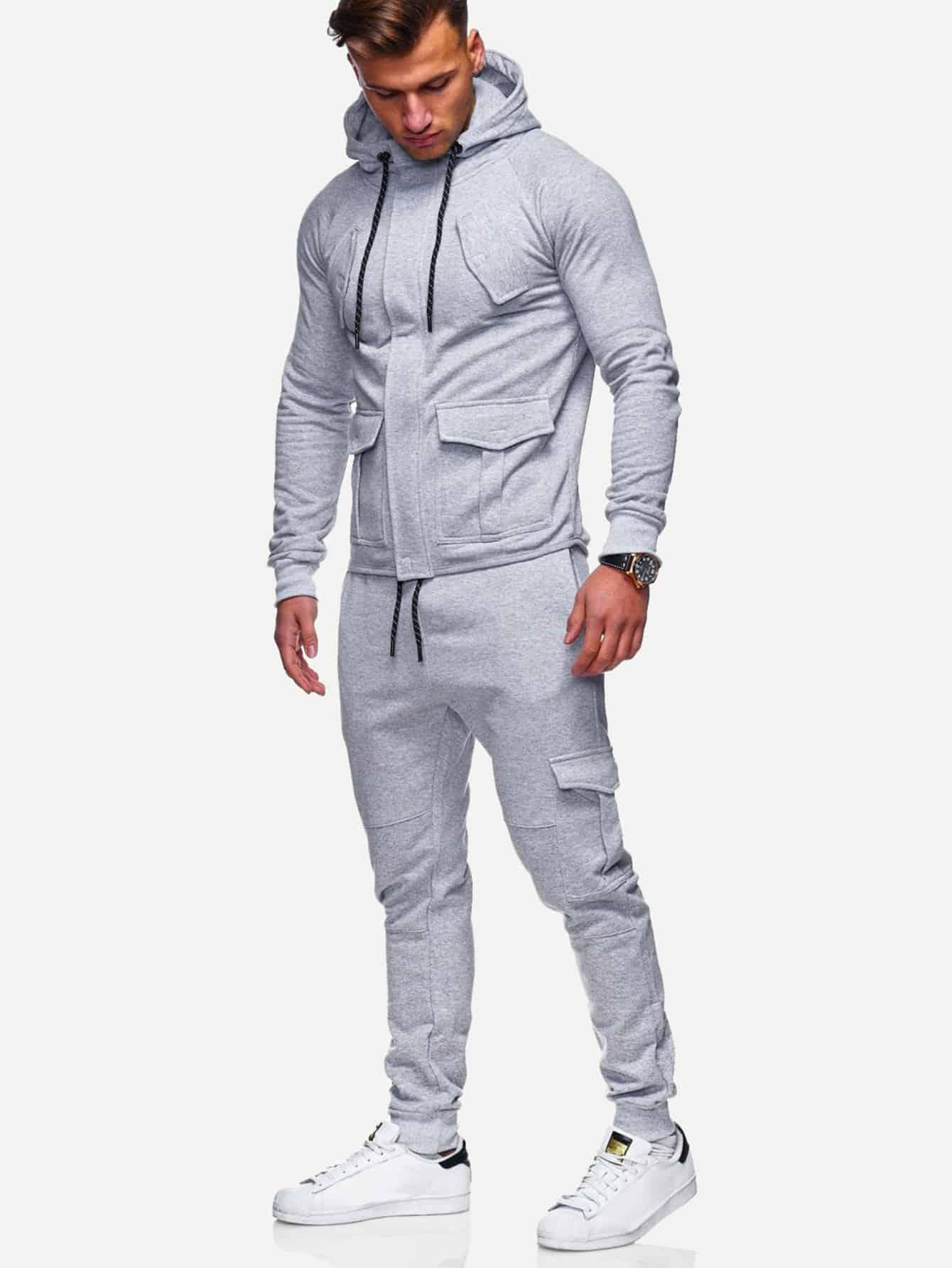 Простая ветровка с капюшоном и брюки с кулиской для мужчины от SheIn