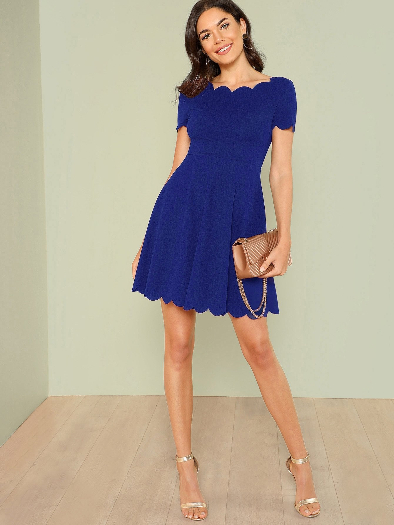 Купить Облегающее платье-клёш с веерообразной отделкой, Aarika Wolf, SheIn