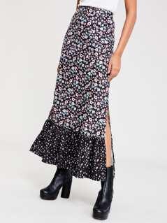 M-Slit Front Calico Print Skirt
