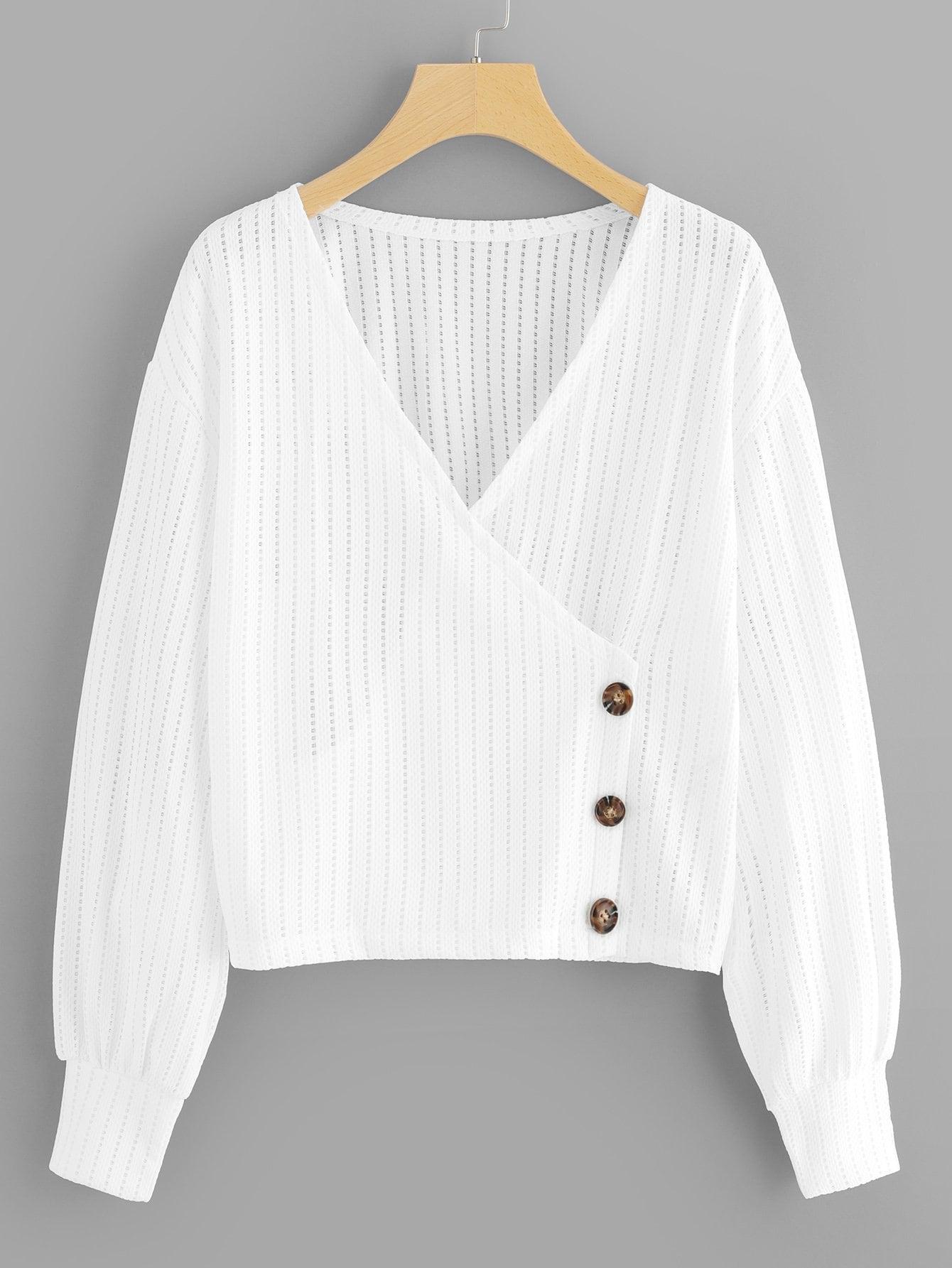 Фото - Размера плюс одноцветная блуза с V-образным вырезом и заниженной линией плеч от SheIn цвет белые