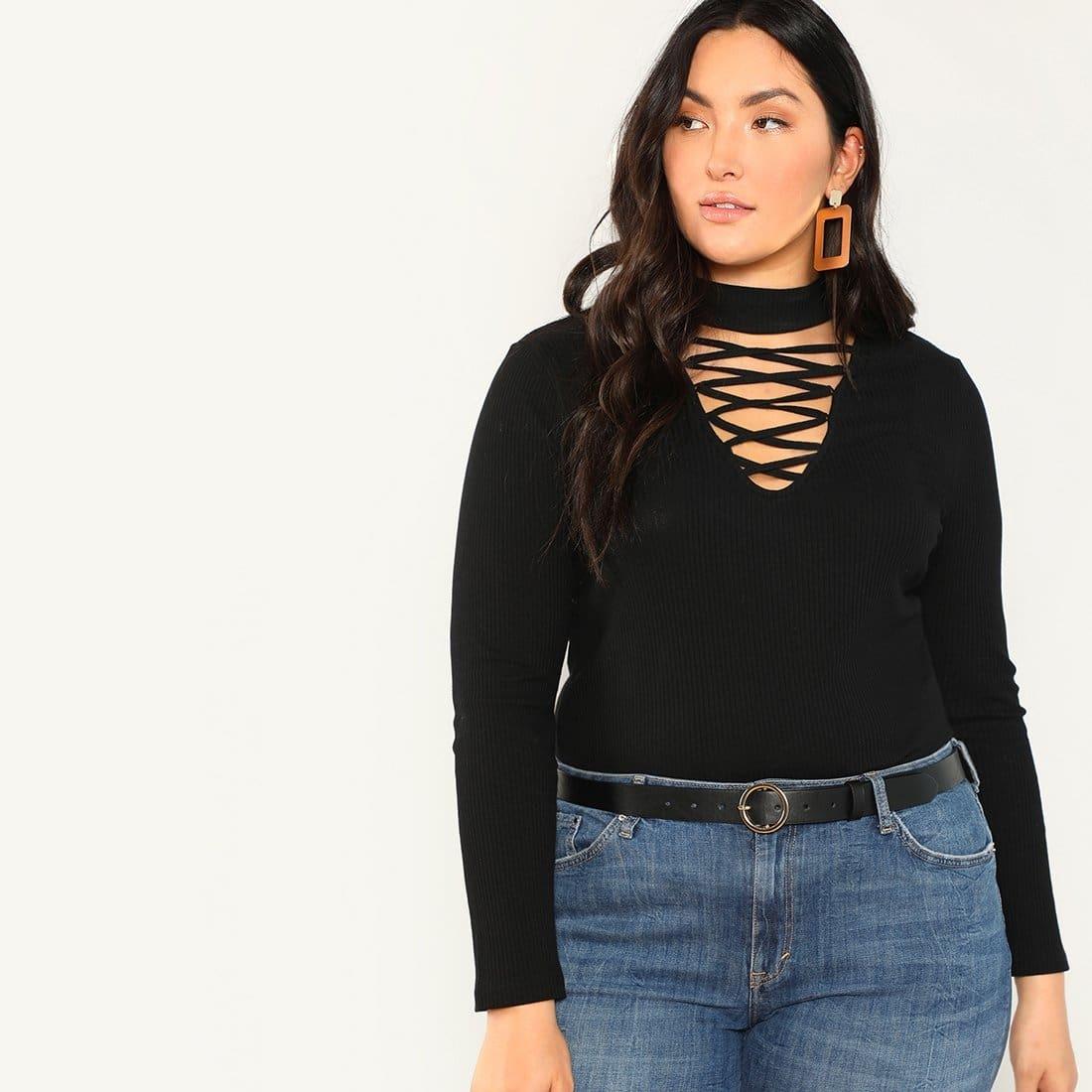 Slim fit rib sweater met lace-up hals en hoge kraag