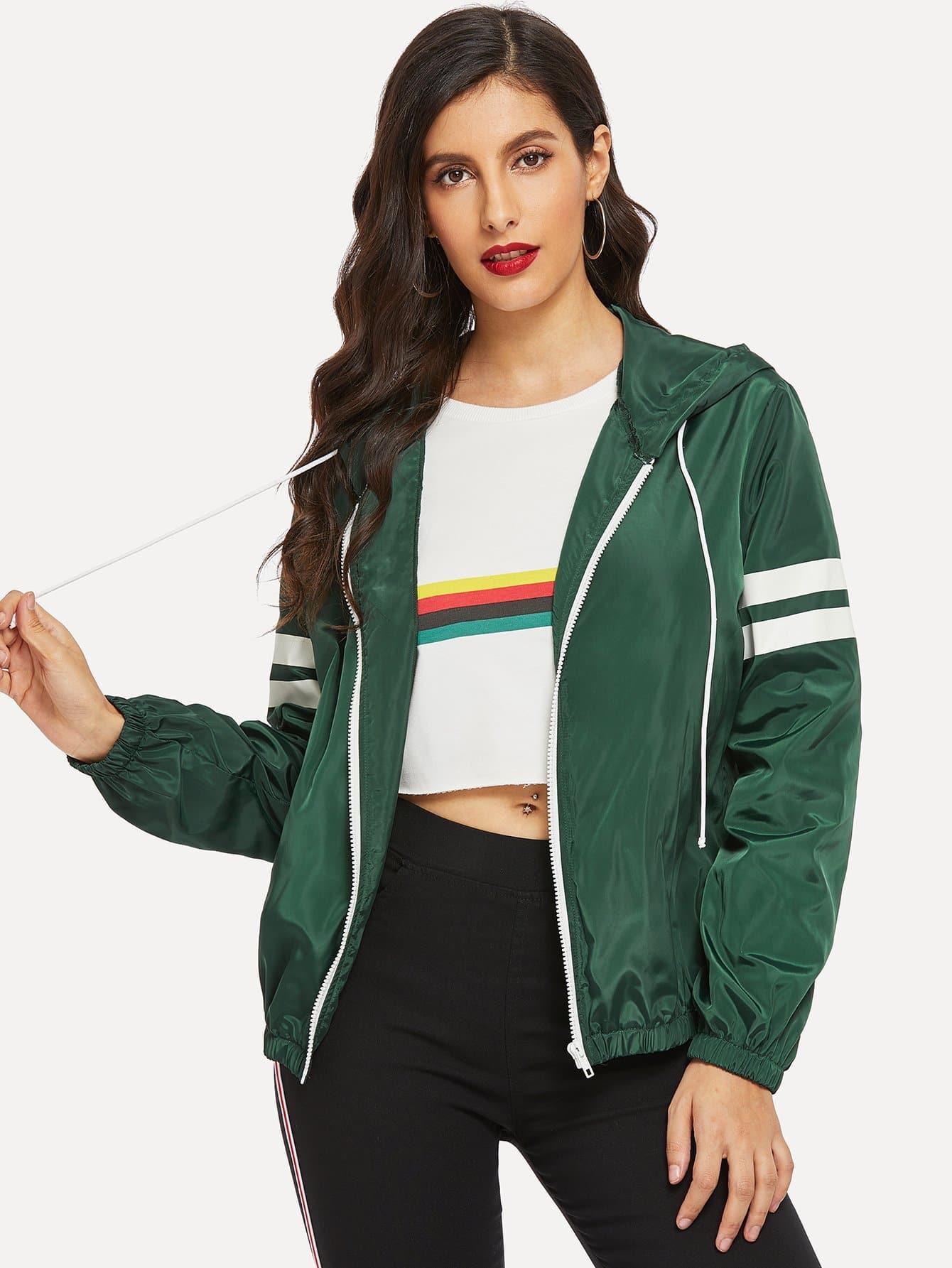 Фото - Контрастная куртка с капюшоном на молнии от SheIn зеленого цвета