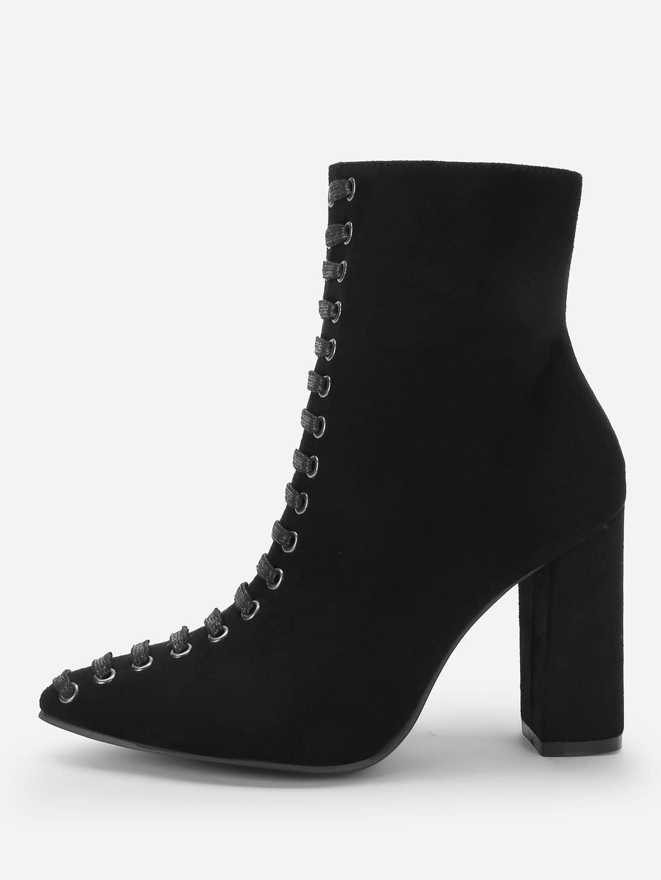 Фото - Сапоги с шнурками и застёжкой молния от SheIn черного цвета
