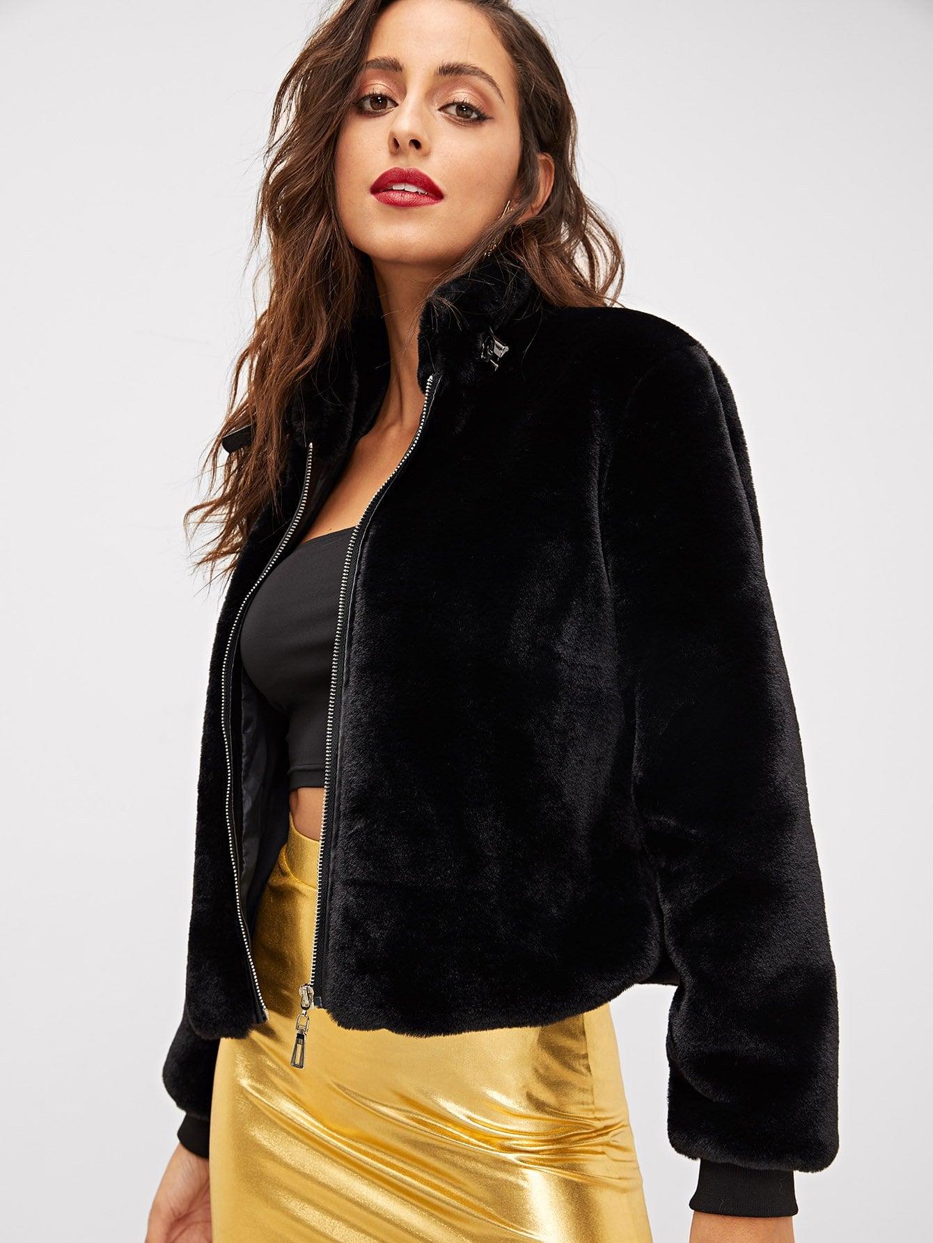 Фото - Куртку на молнии из искусственного меха от SheIn черного цвета