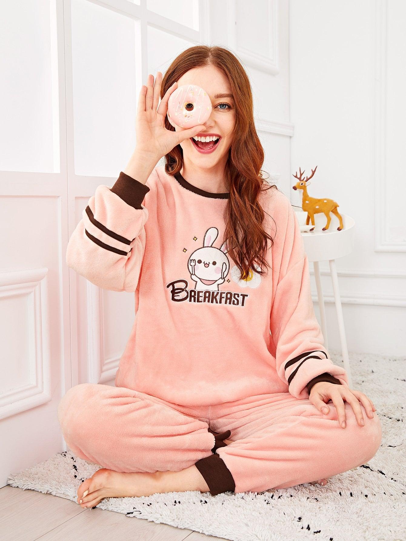 Фото - Пушистая пижама с принтом текстовым и кота от SheIn цвет розовые