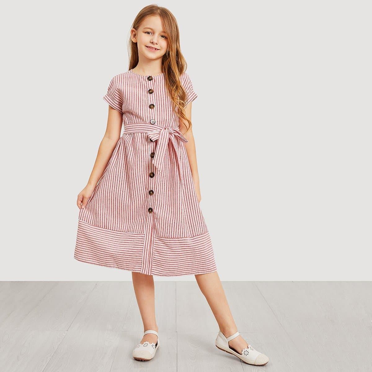 Для девочек платье в полоску на пуговицах с поясом от SHEIN