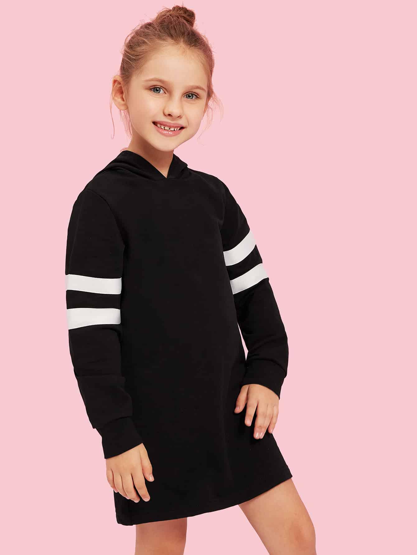 Фото - Полосатое платье униформы с капюшоном для девочек от SheIn цвет чёрные