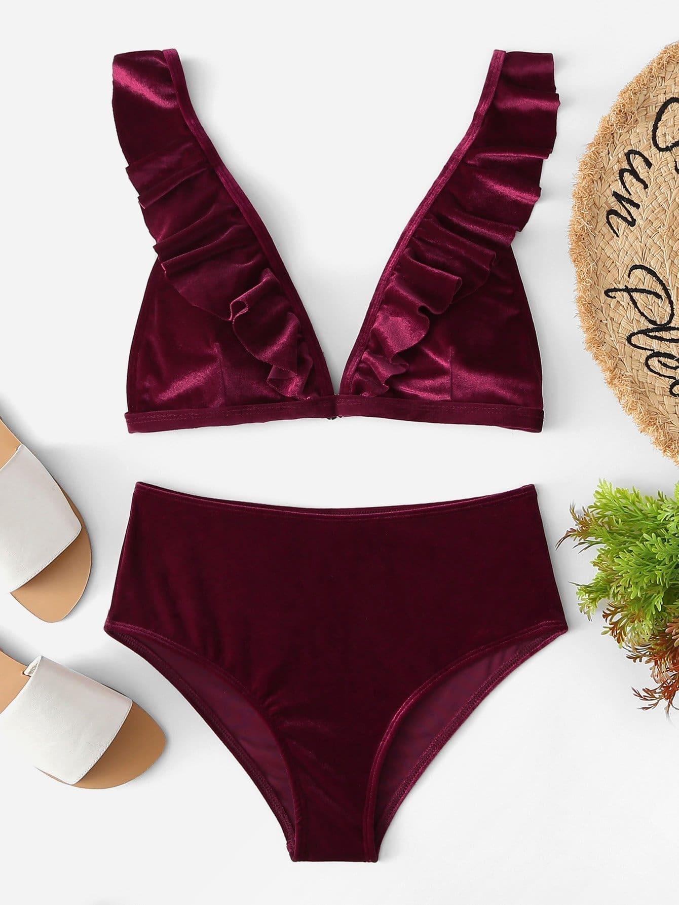 Фото - Бархатные комплект бикини с глубоким v-образным вырезом от SheIn бордового цвета