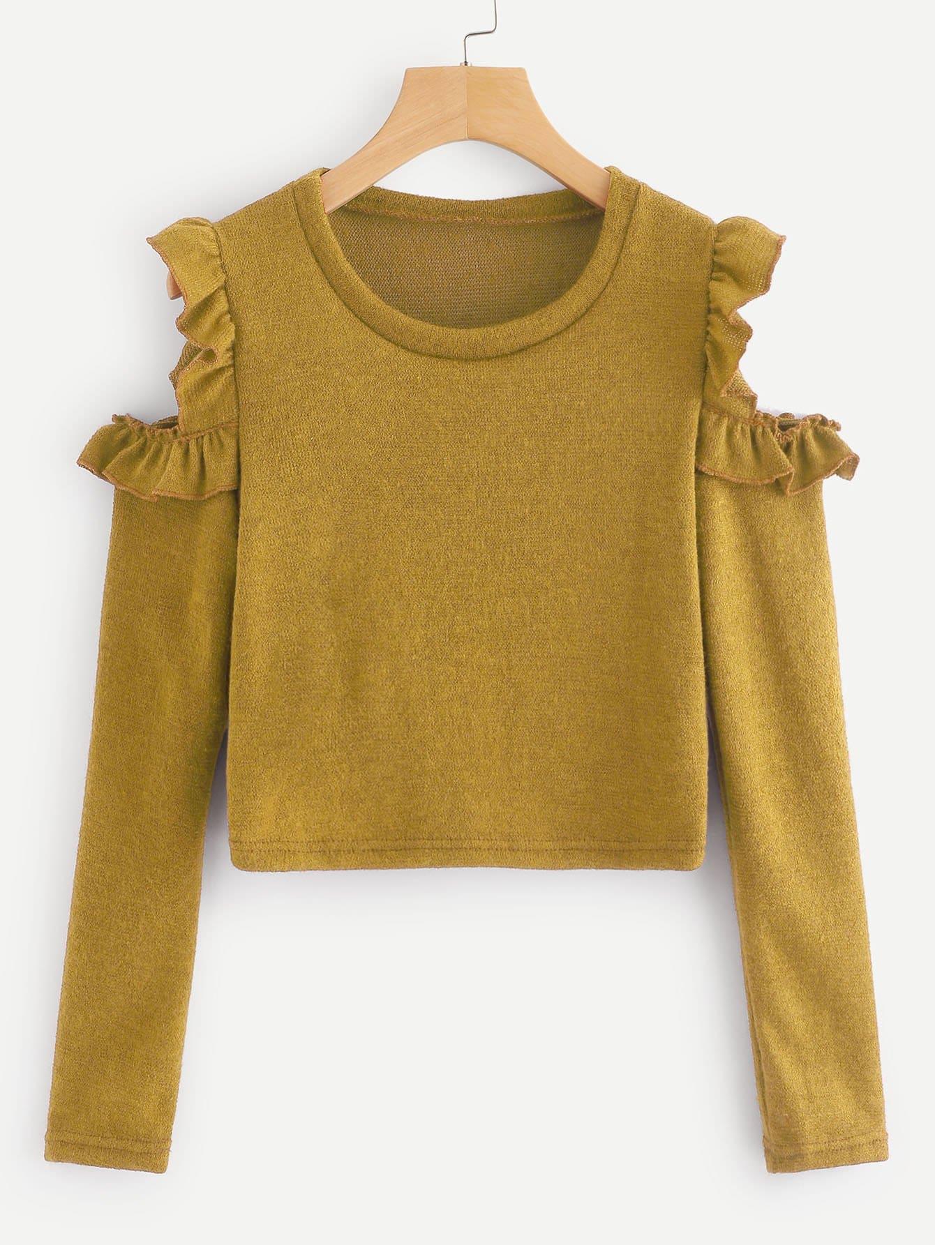 Фото - Одноцветный свитер с открытыми плечами с оборками от SheIn цвет жёлтый