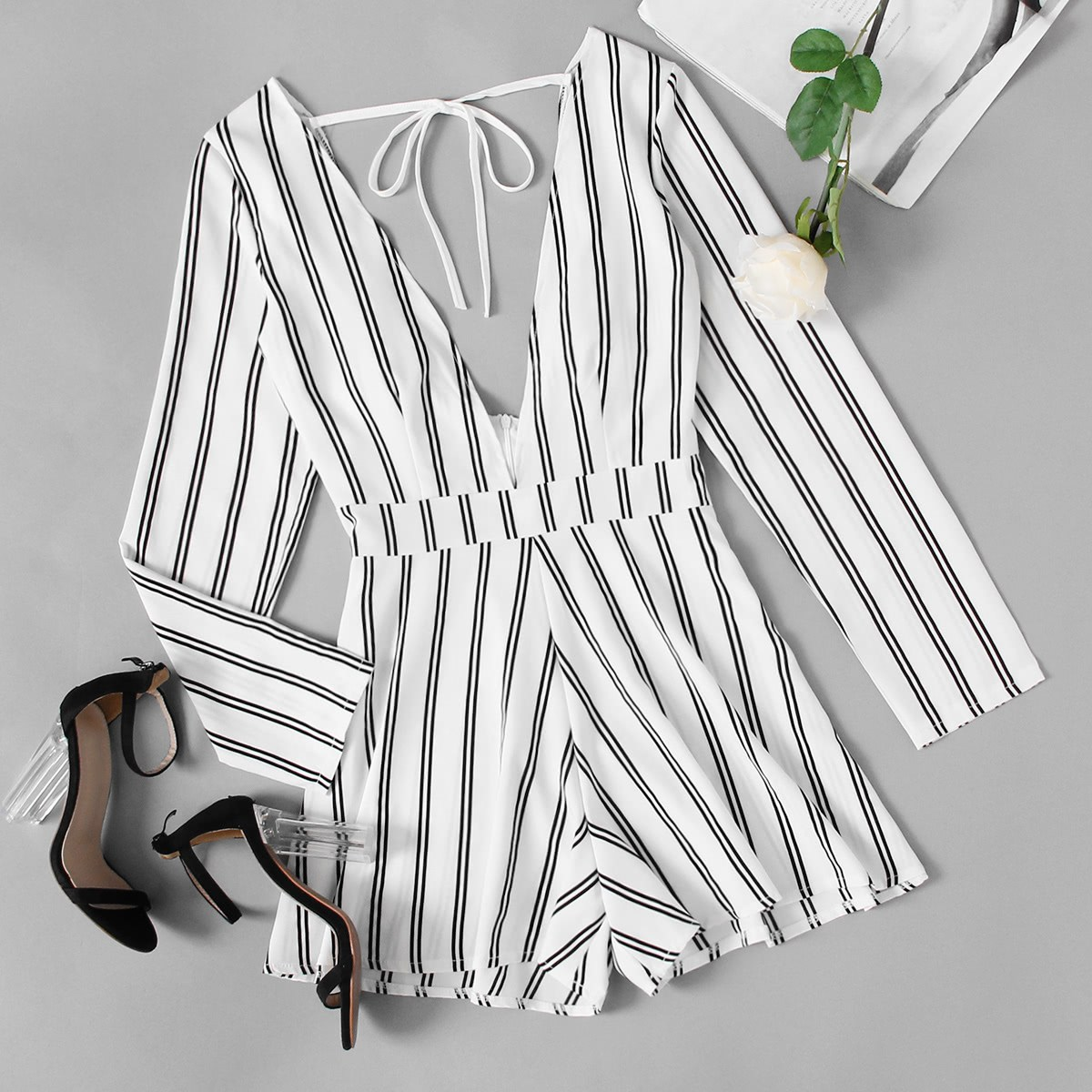 SHEIN / Jumpsuit mit tiefem V-Ausschnitt,Band hinten und Streifen