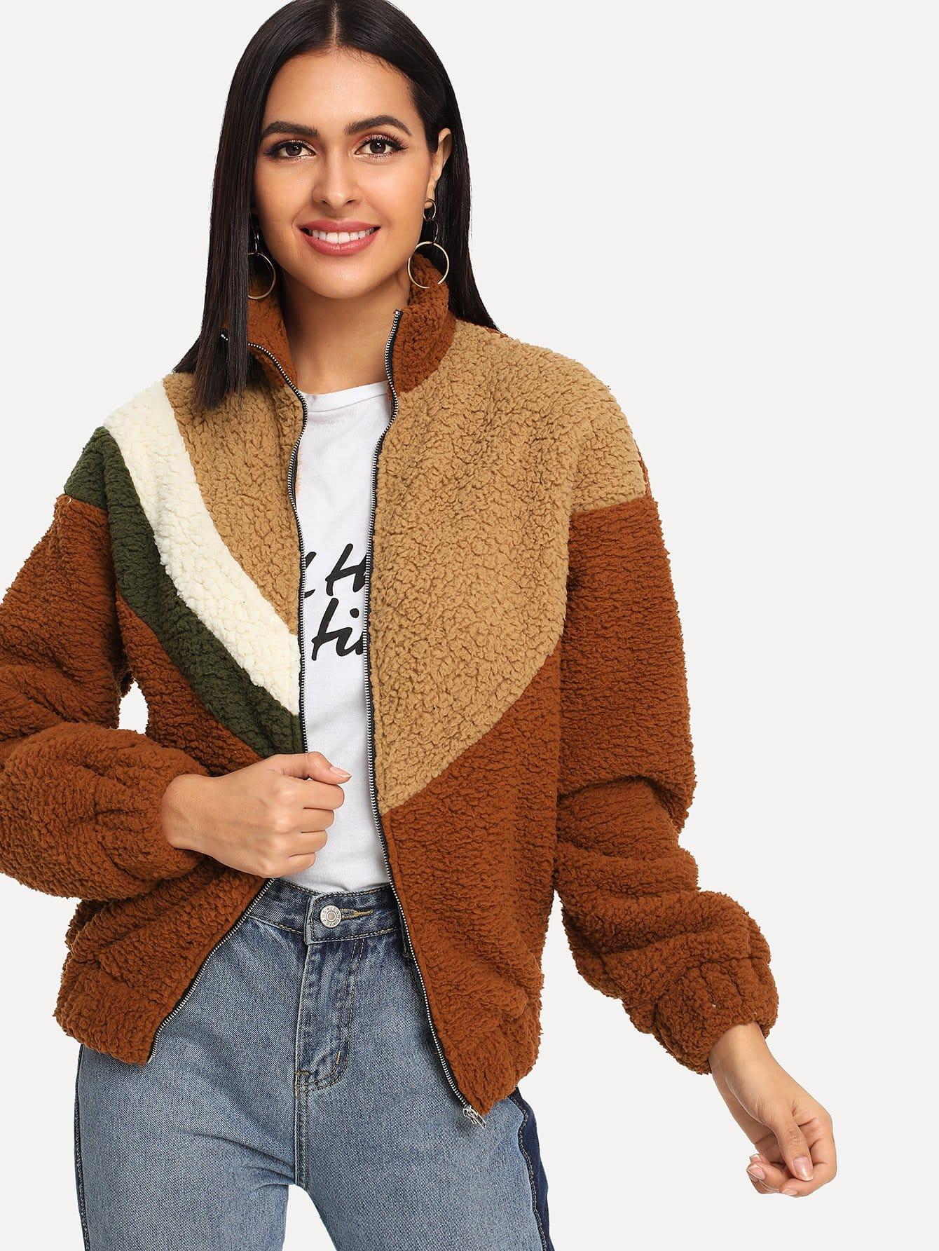 Контрастная плюшевая куртка на молнии