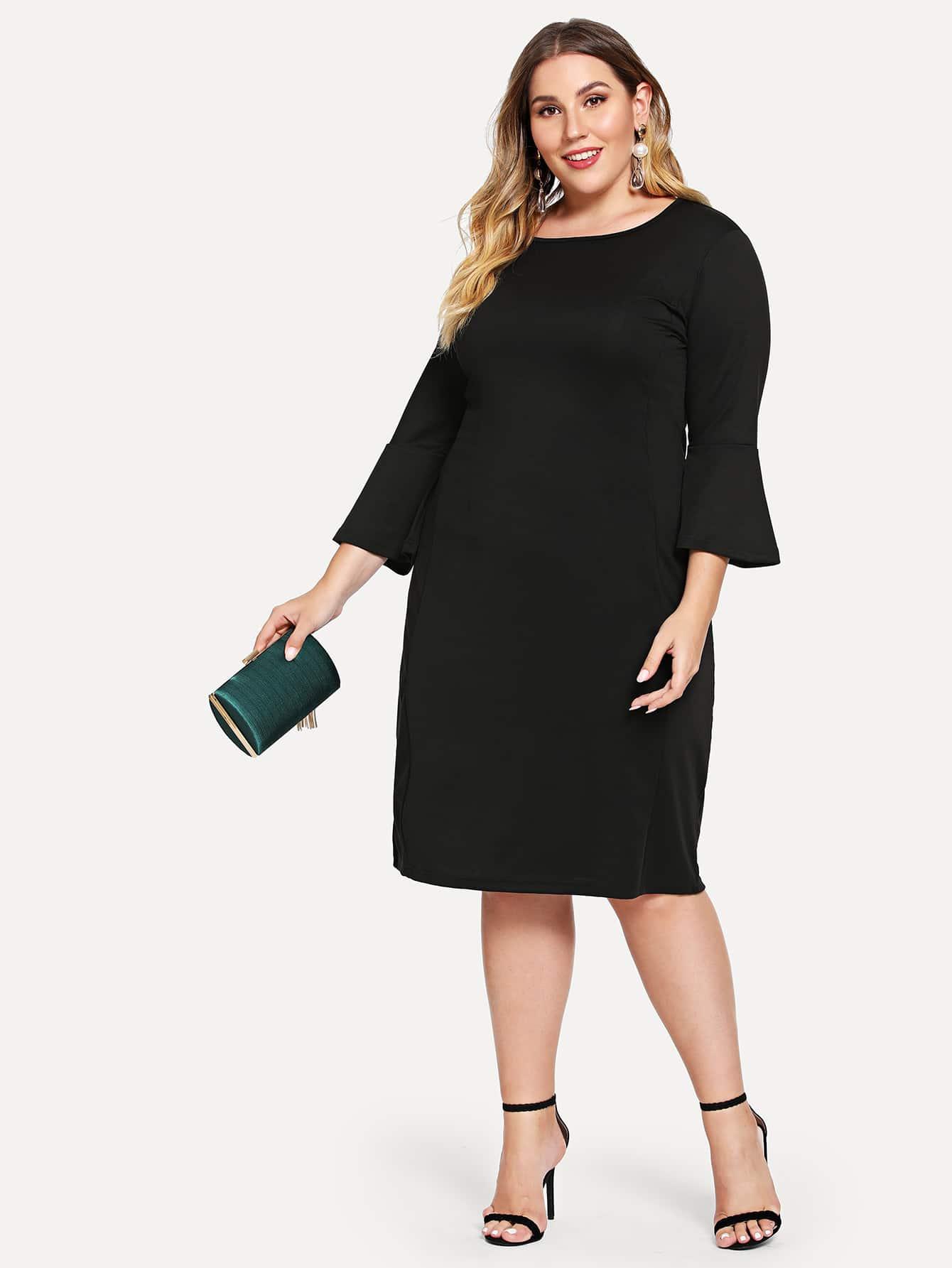 Размера плюс платье с розеткой на рукавах