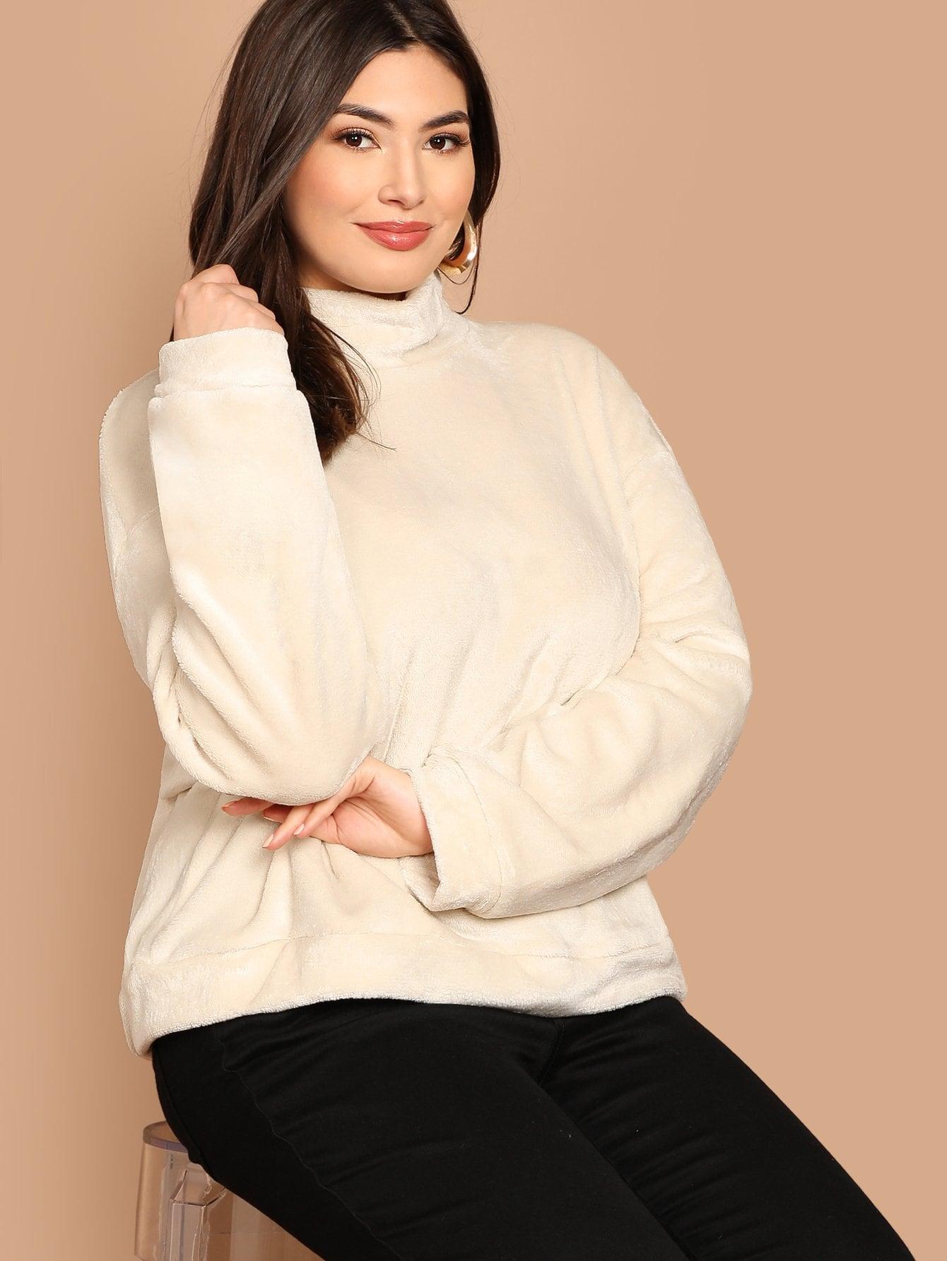 Фото - Плюс размера тедди пуловер с заниженной линией плеч от SheIn цвет бежевые