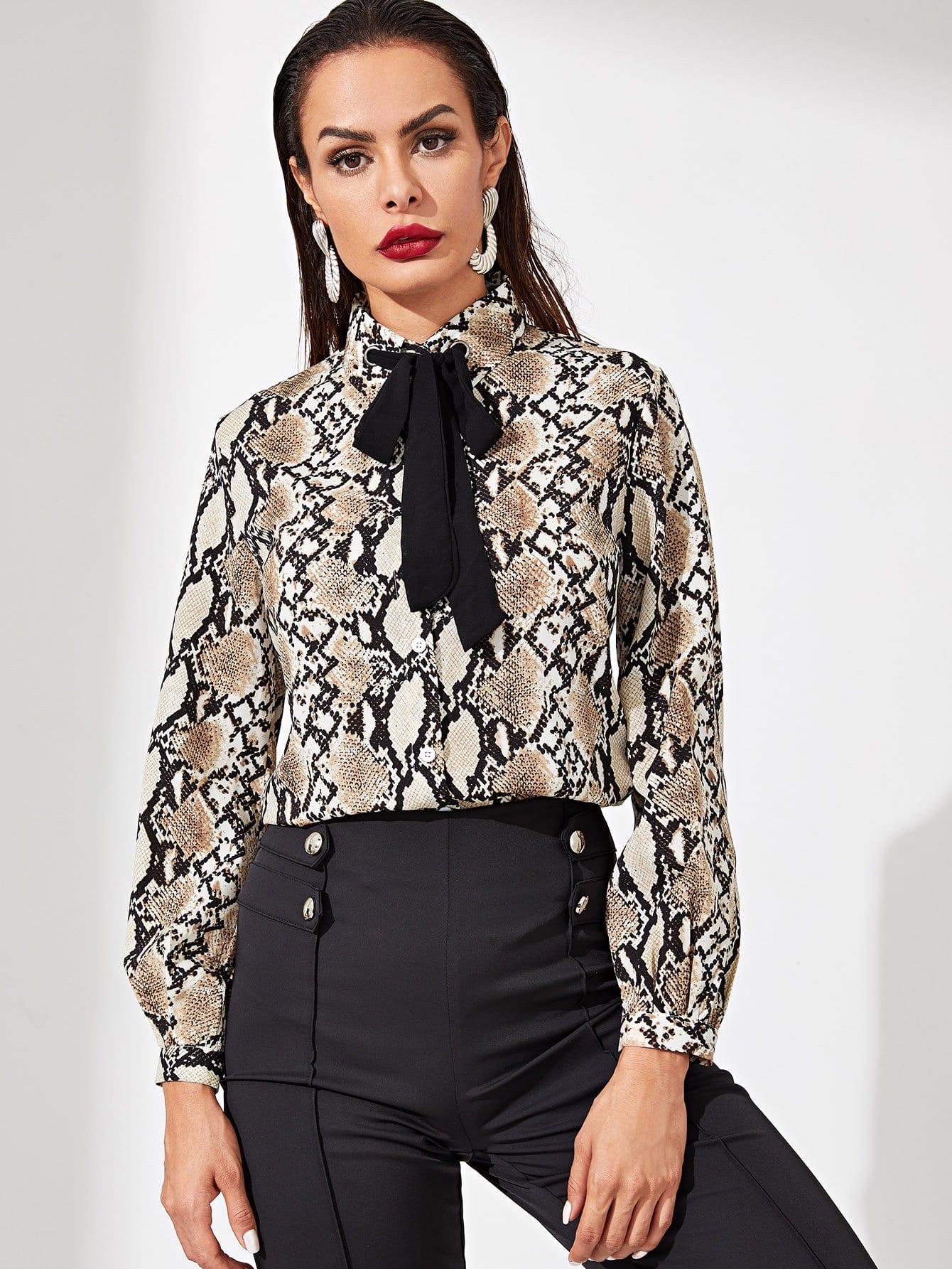 Купить Контрастная блуза с поясом и принтом змеиным, Andy, SheIn