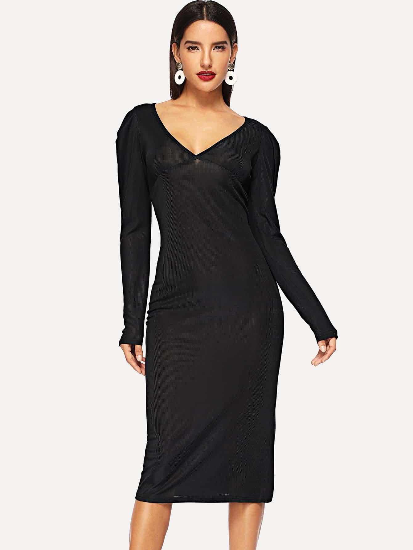 Фото - одноцветное платье с v-образным вырезом от SheIn цвет чёрные