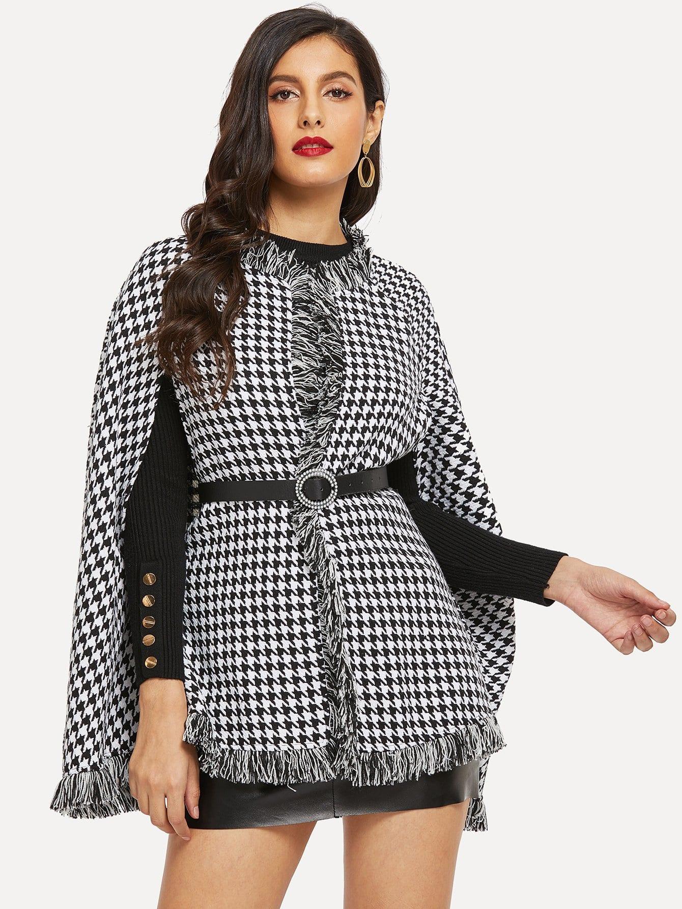 Фото - Хаундстут пальто-пончо с бахромой без пояса от SheIn цвет чёрнобелые