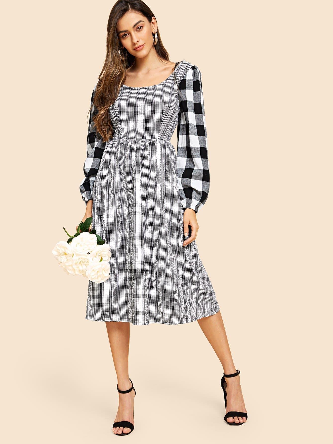 60s платье в клетку с квадратным вырезом