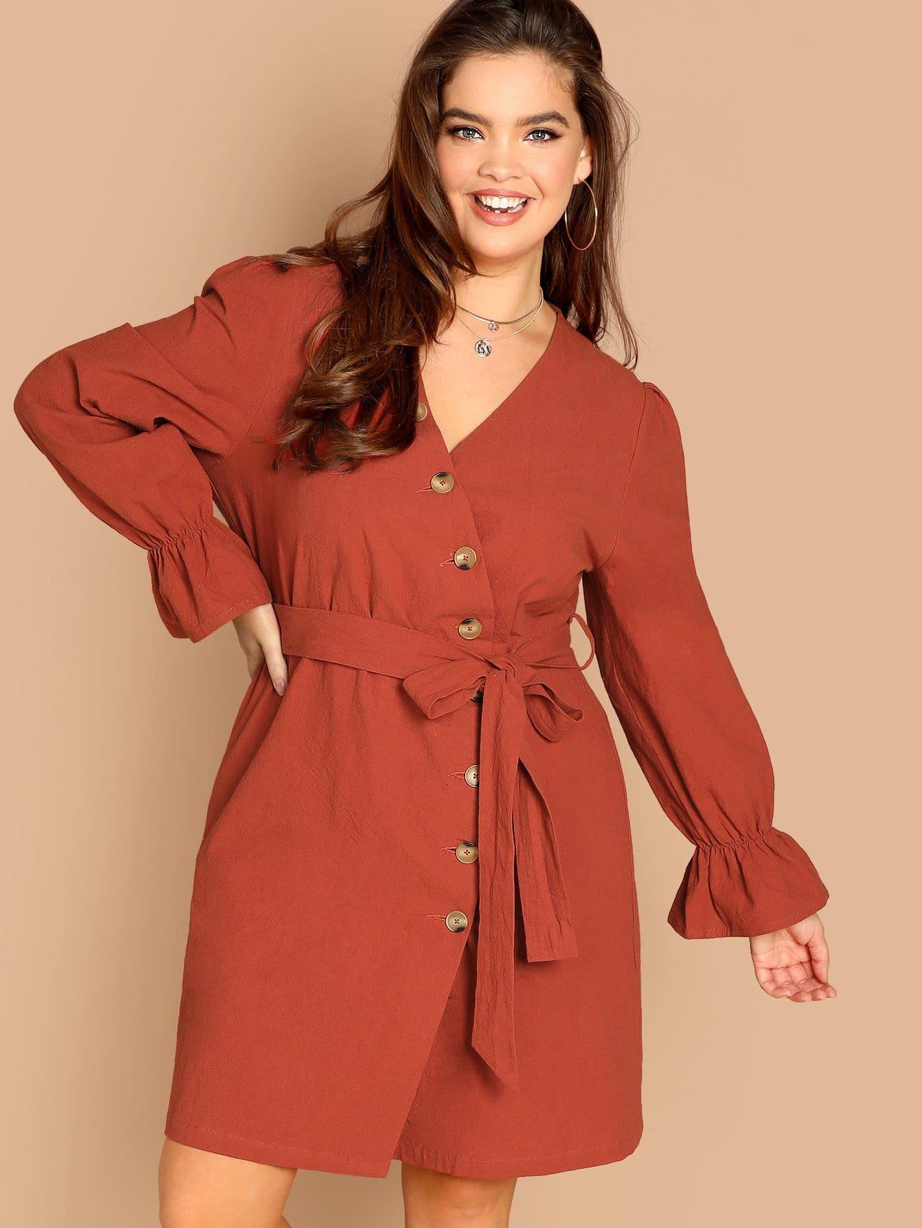 Размер плюс платье с оригинальным рукавом и поясом