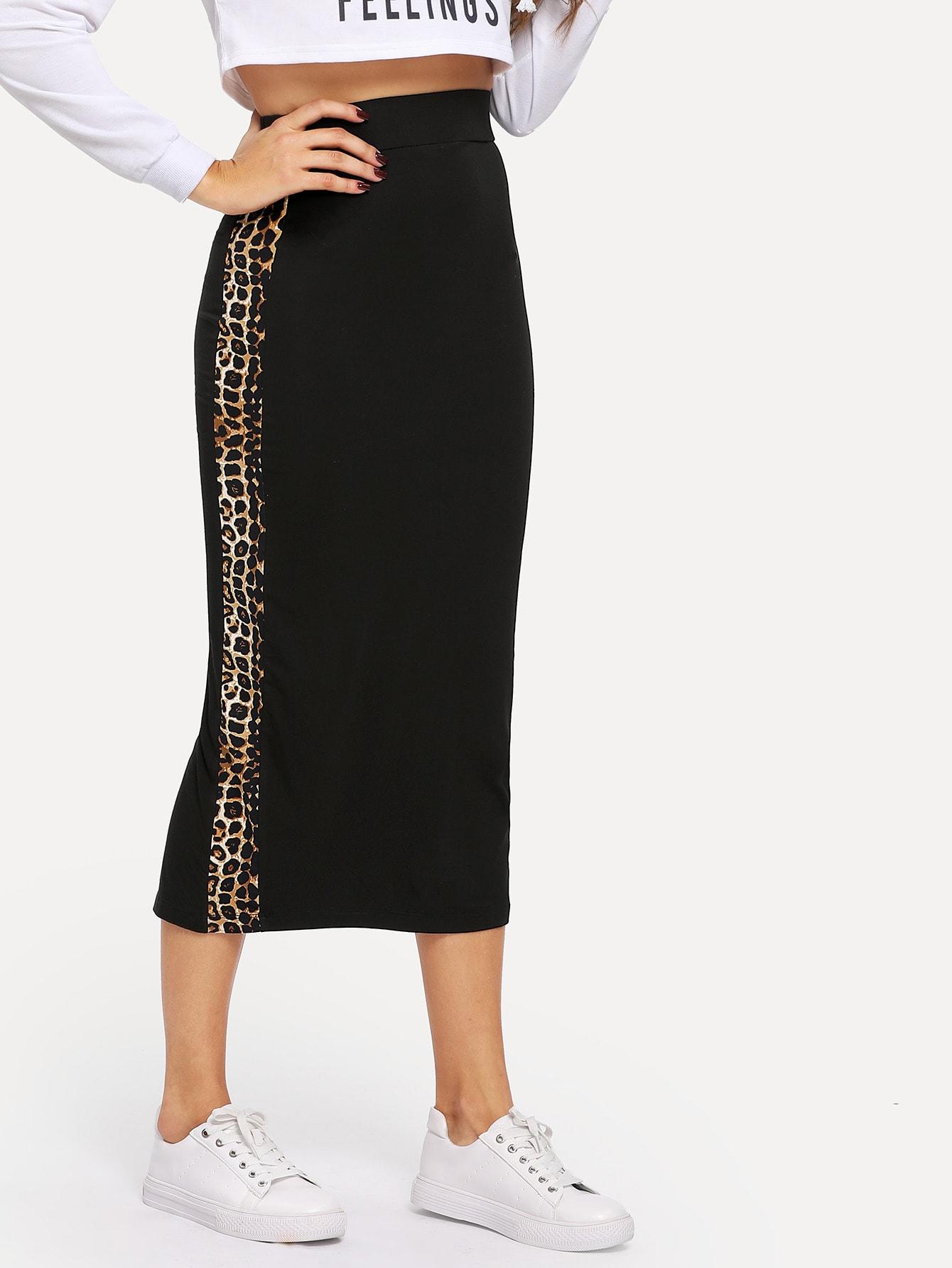 Контрастная леопардовая юбка с широкой талией