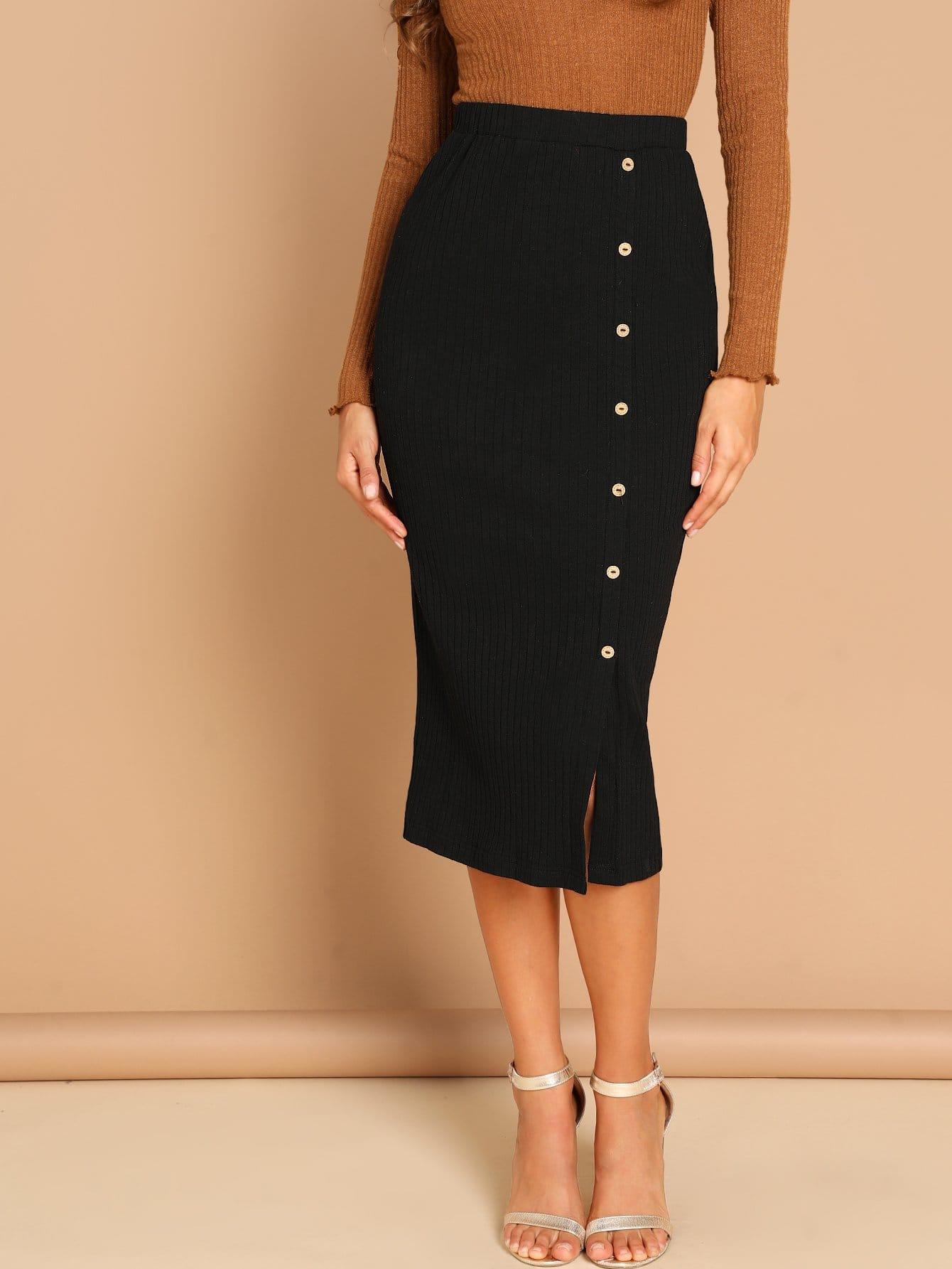 Фото - Вязанная разрезная юбка на пуговицах от SheIn черного цвета