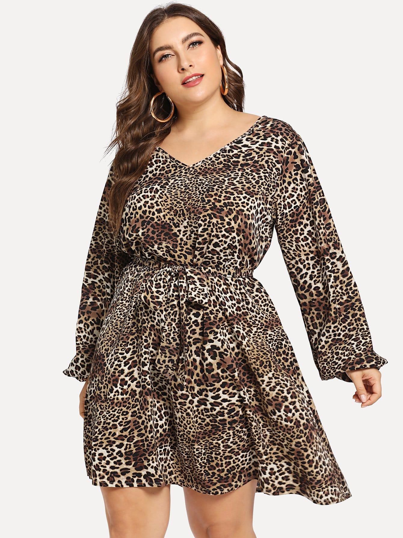 Леопардовое платье с v-образным вырезом размера плюс