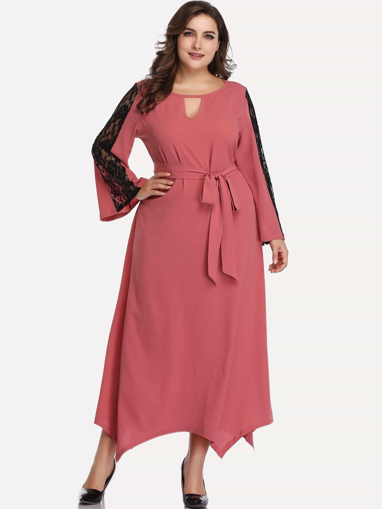 Размера плюс платье с контрастным кружевом и поясом