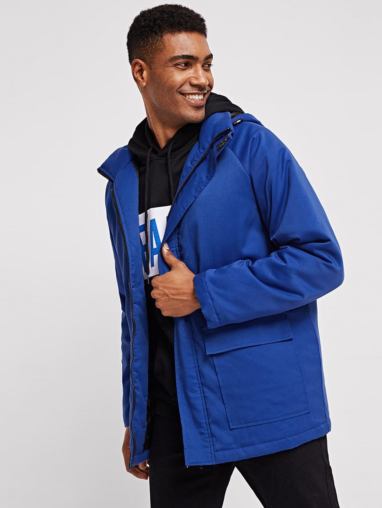 Фото - Для мужчин одноцветная куртка с капюшоном с карманом от SheIn синего цвета