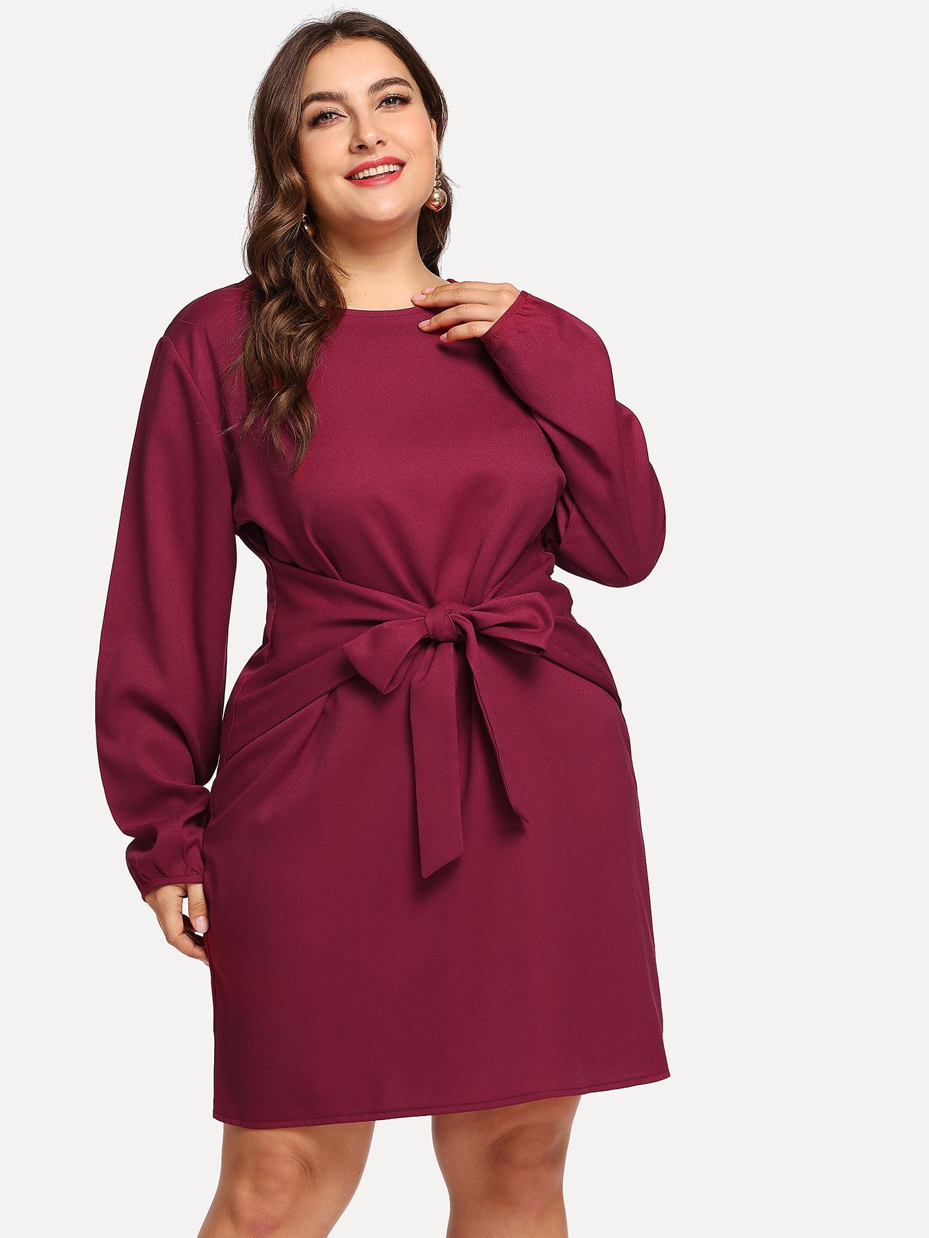 Однотонное платье со узлом размера плюс