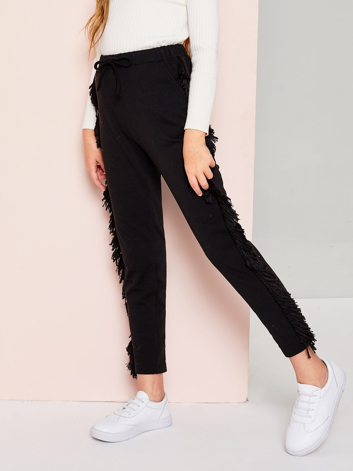 Фото - Одноцветные брюки с оригинальной отделкой для девочек от SheIn черного цвета