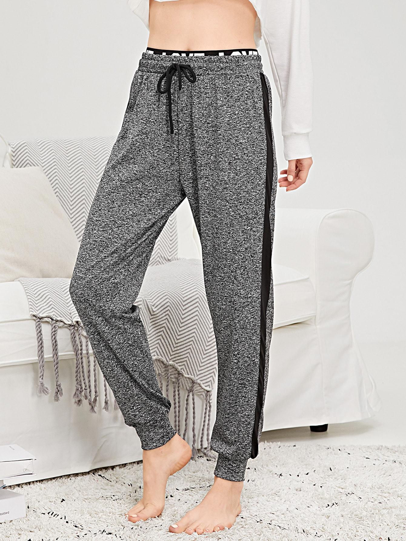 Купить Пижамные брюки в полоску с принтом текстовы и кулиской на талией, Poly, SheIn