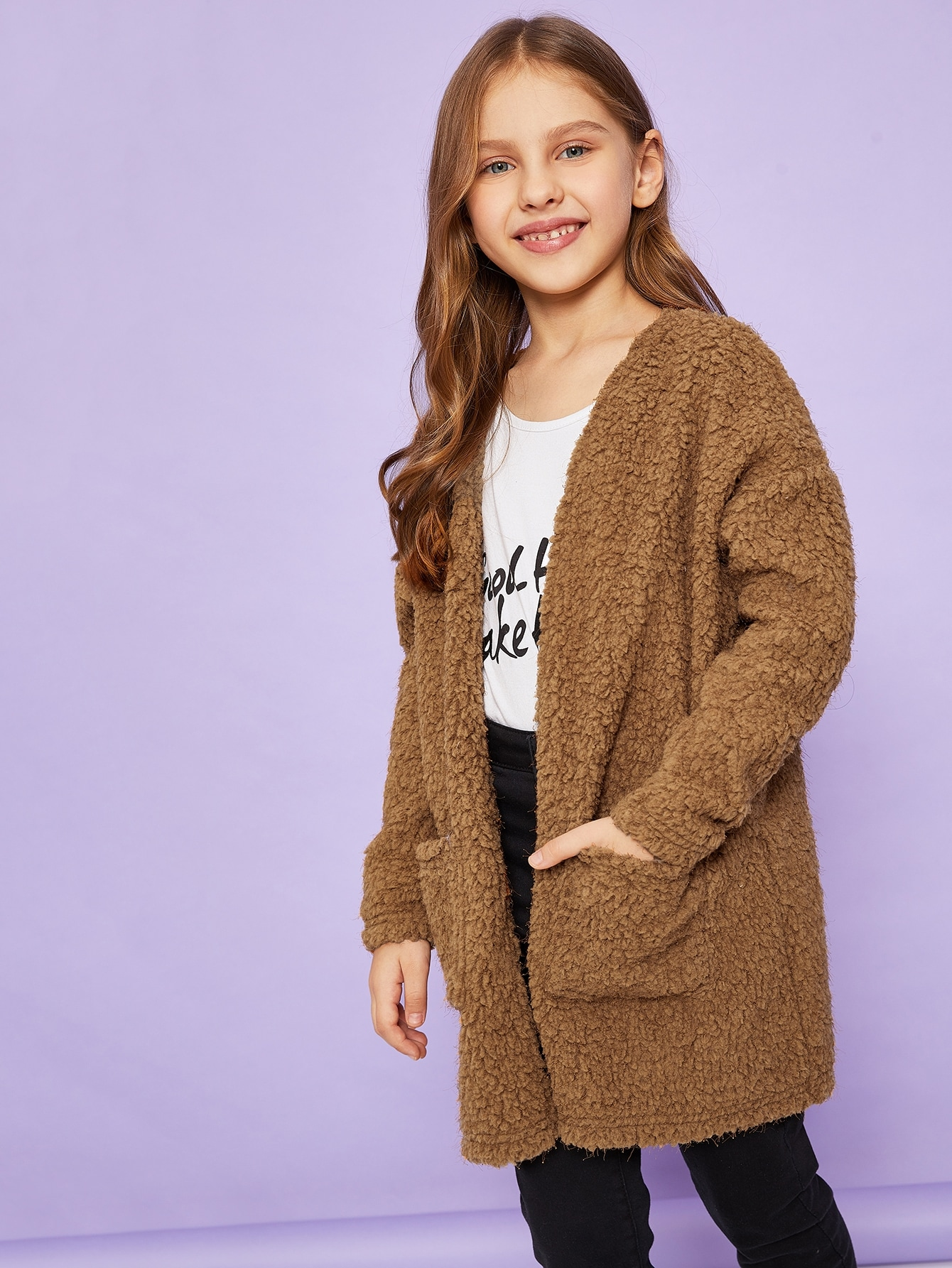 Фото - Плюшевая куртка с карманом для девочек от SheIn коричневого цвета