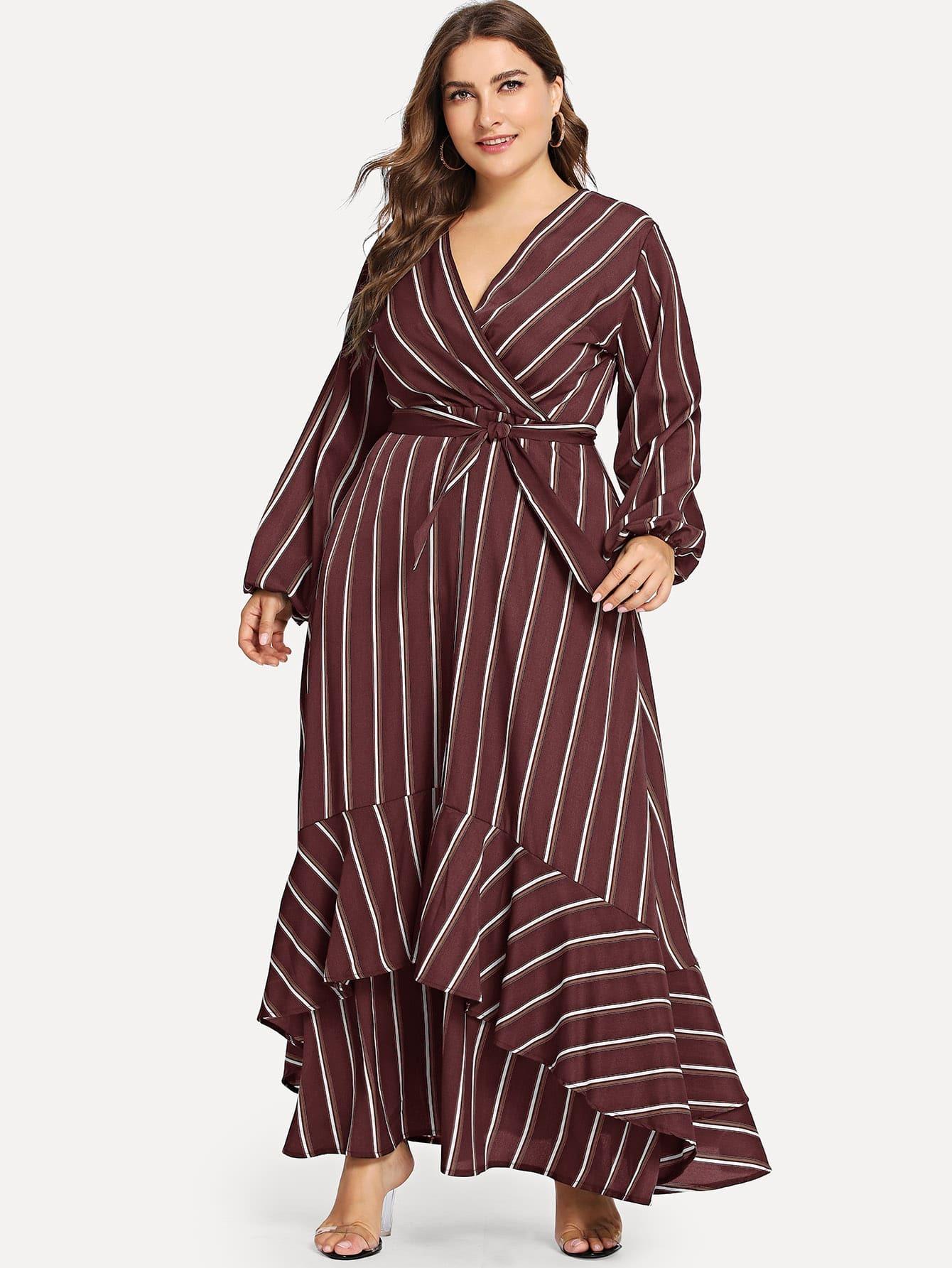 Размера плюс асимметричное полосатое платье с поясом