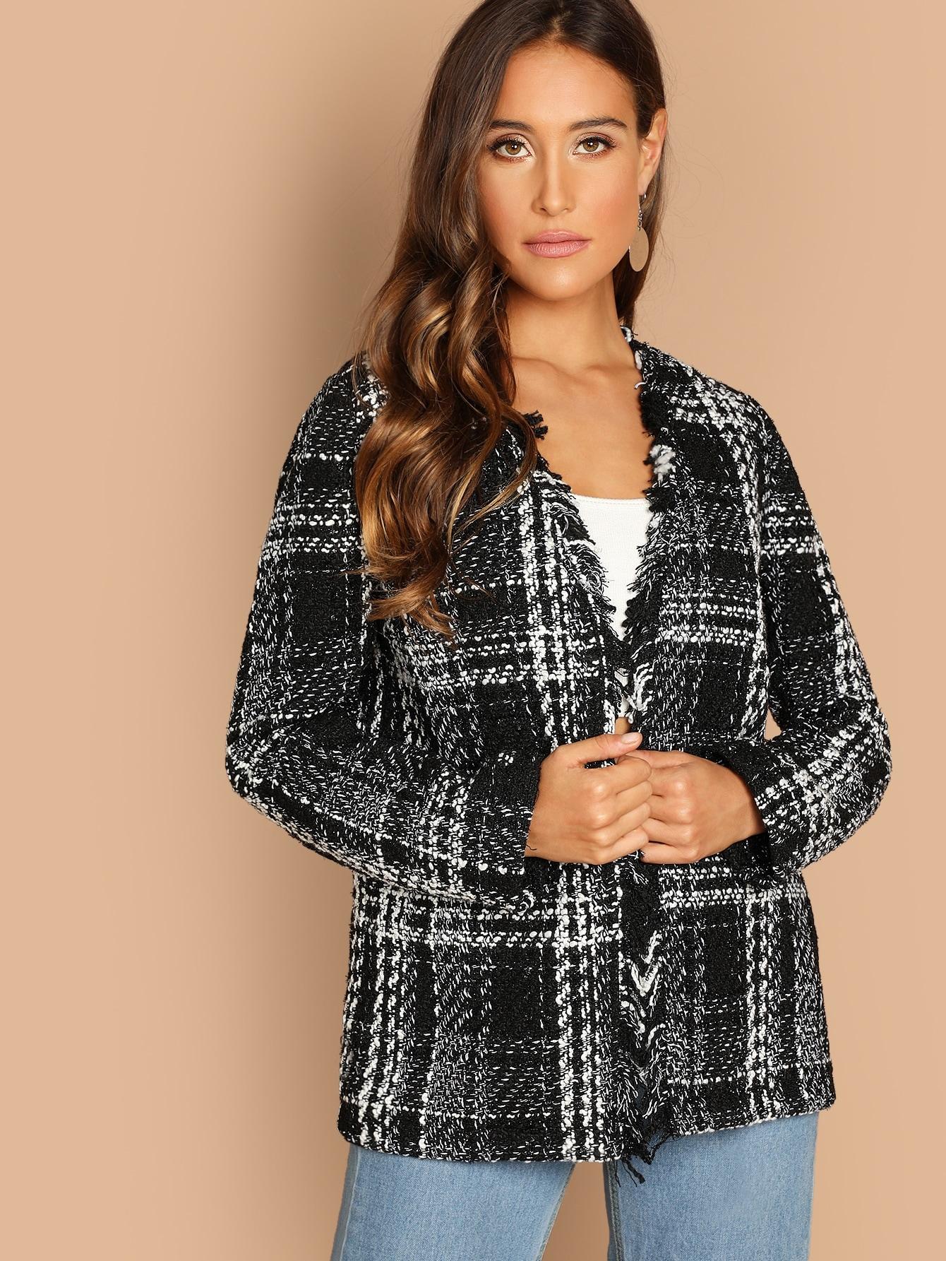 Фото - Открытое пальто с равной отделкой от SheIn черного цвета