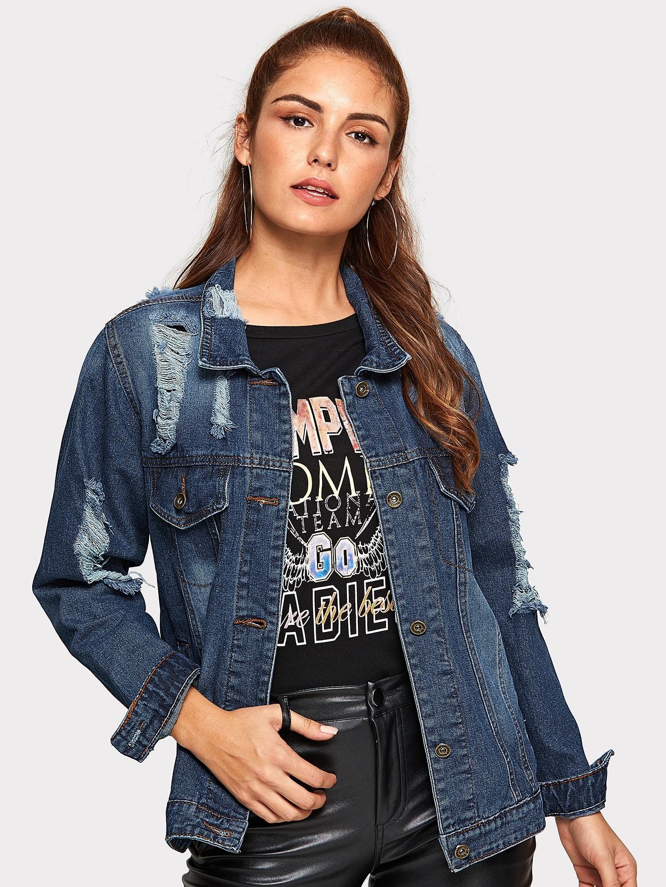 Рваная джинсовая куртка