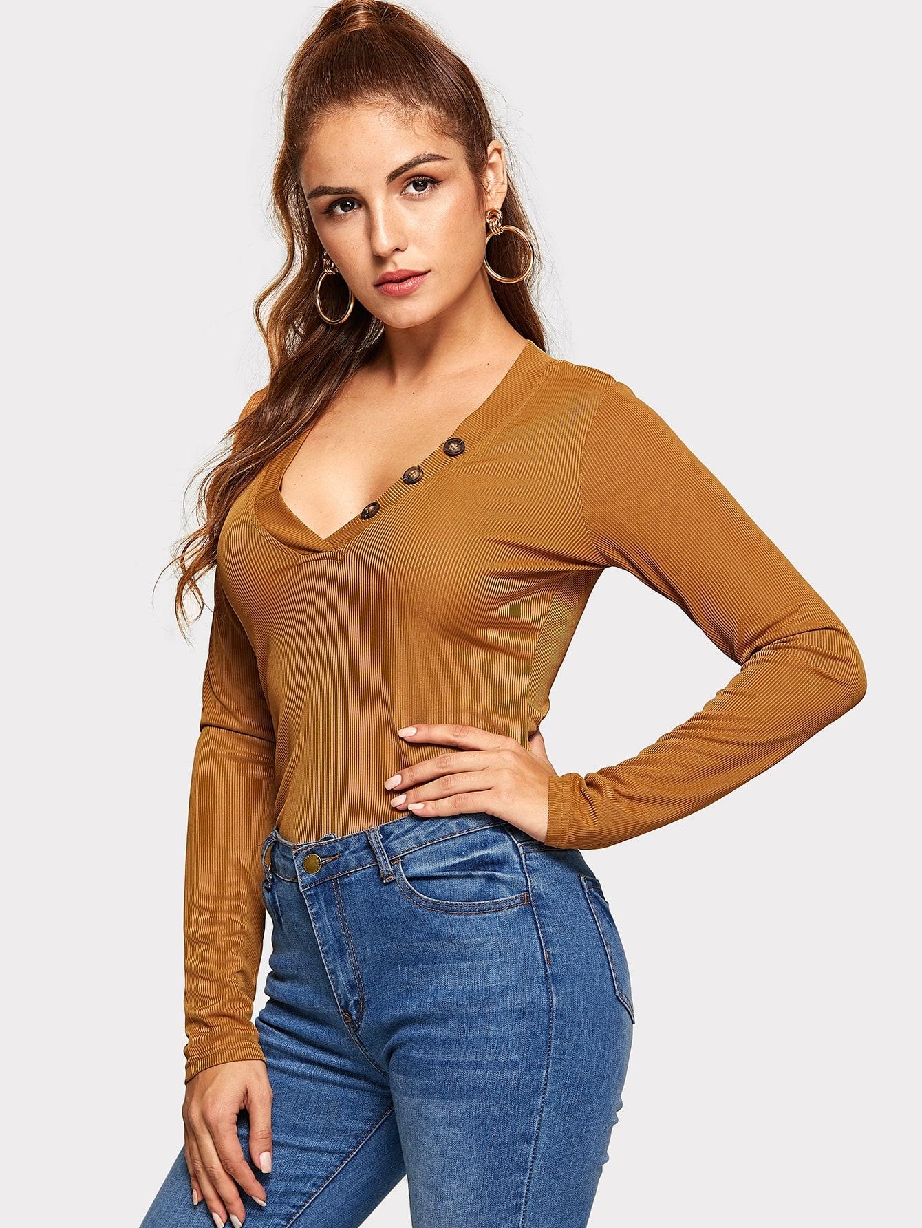 Однотонная футболка с v-образным вырезом, Lisa A, SheIn  - купить со скидкой