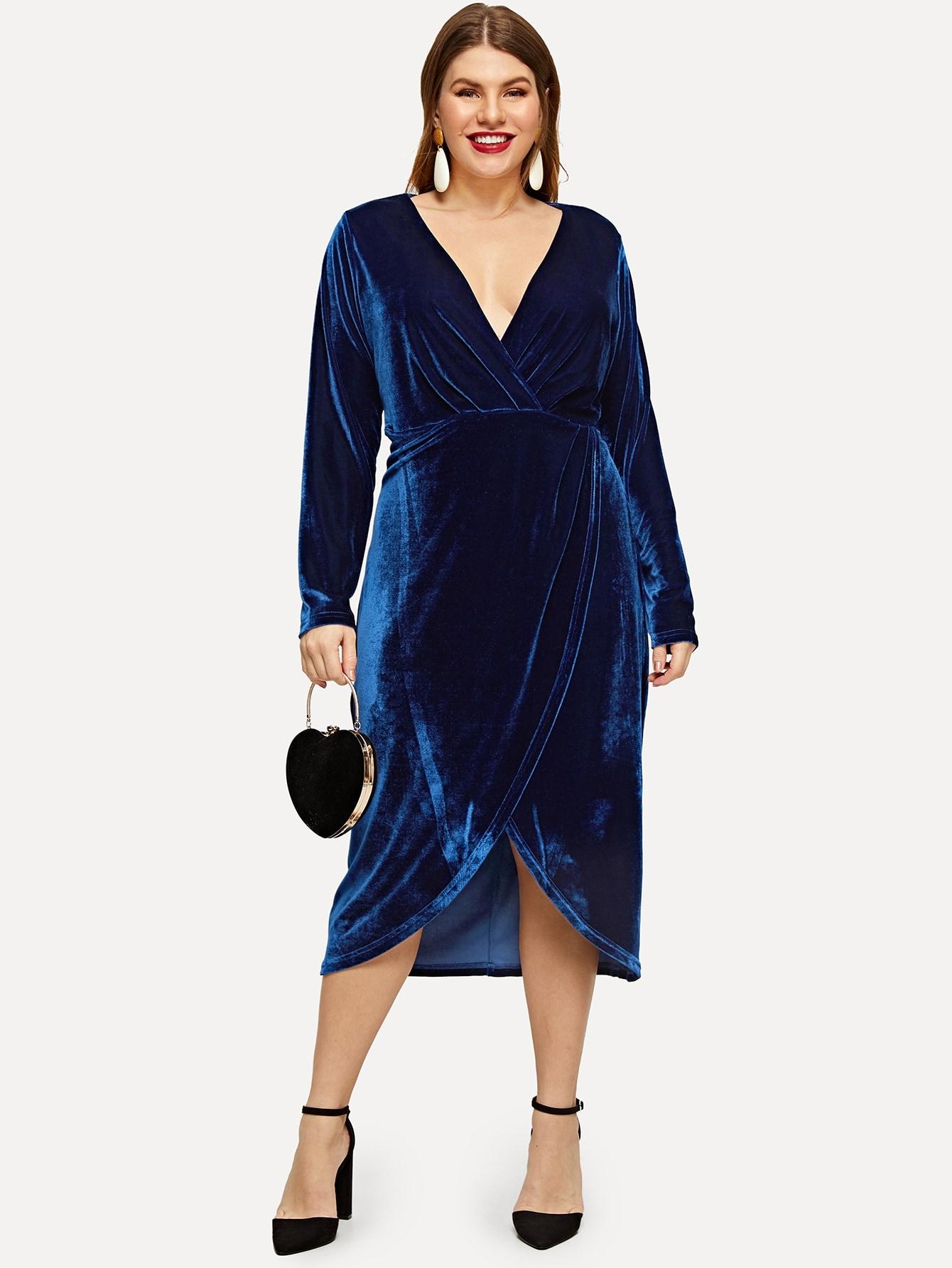 Размера плюс хлопковое платье с запахом и низким V-образным вырезом