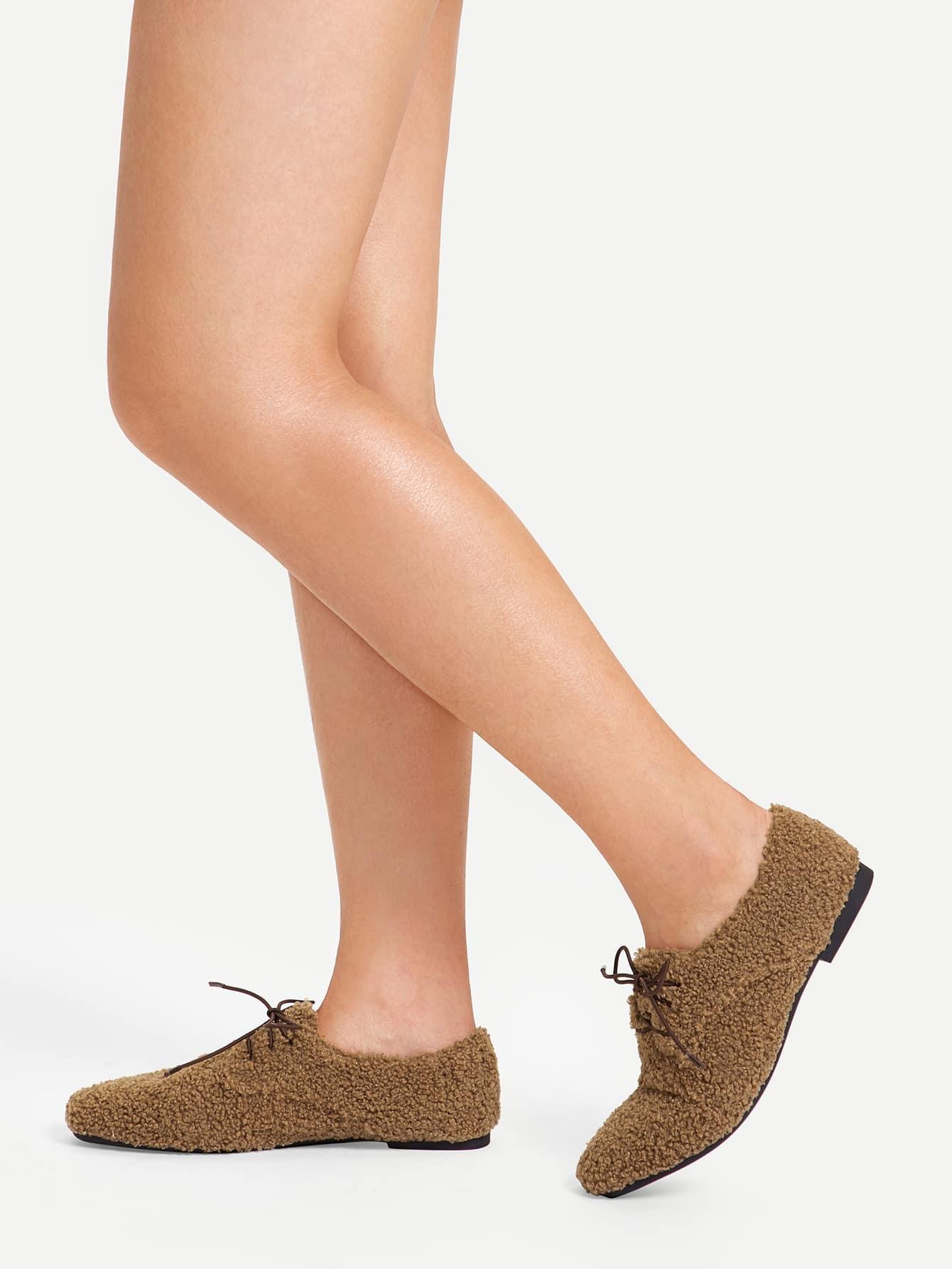 Купить Туфли на плоской подошве с искусственным мехом и шнуровкой, null, SheIn