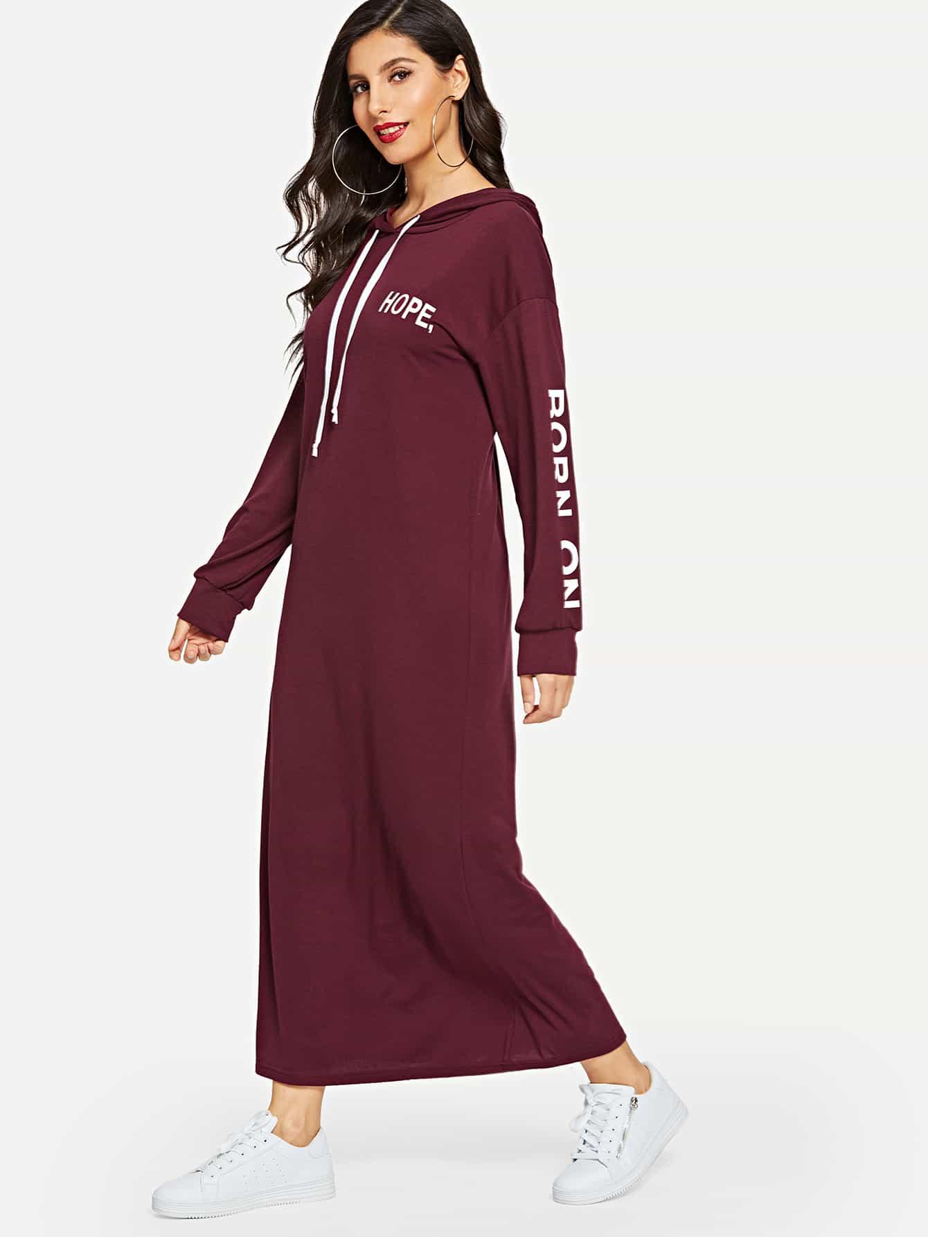 Купить Платье-свитшот с капюшоном заниженной линией плеч и текстовым принтом, Jeane, SheIn