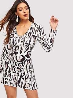 Knotted V-neck Leopard Dress