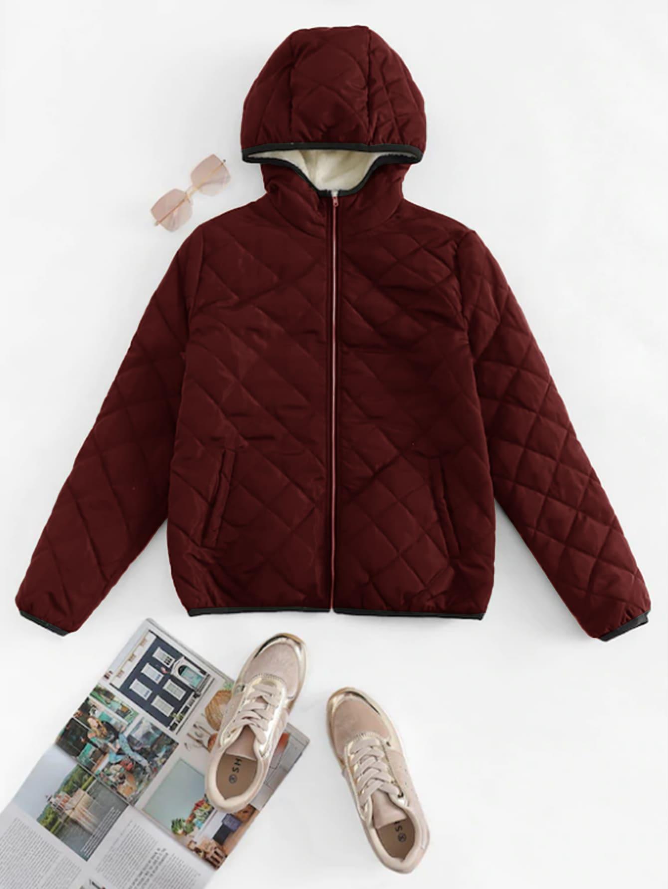 Стеганое пальто с капюшоном и застёжкой молния