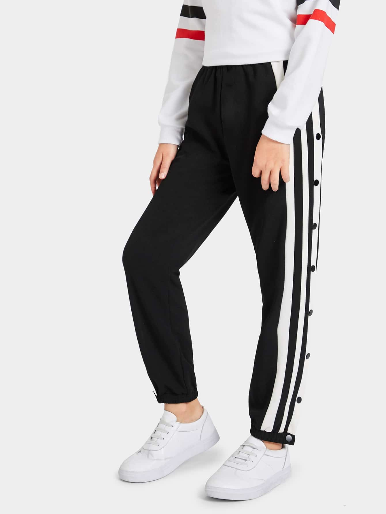 Фото - Для девочек брюки на пуговицах от SheIn черного цвета