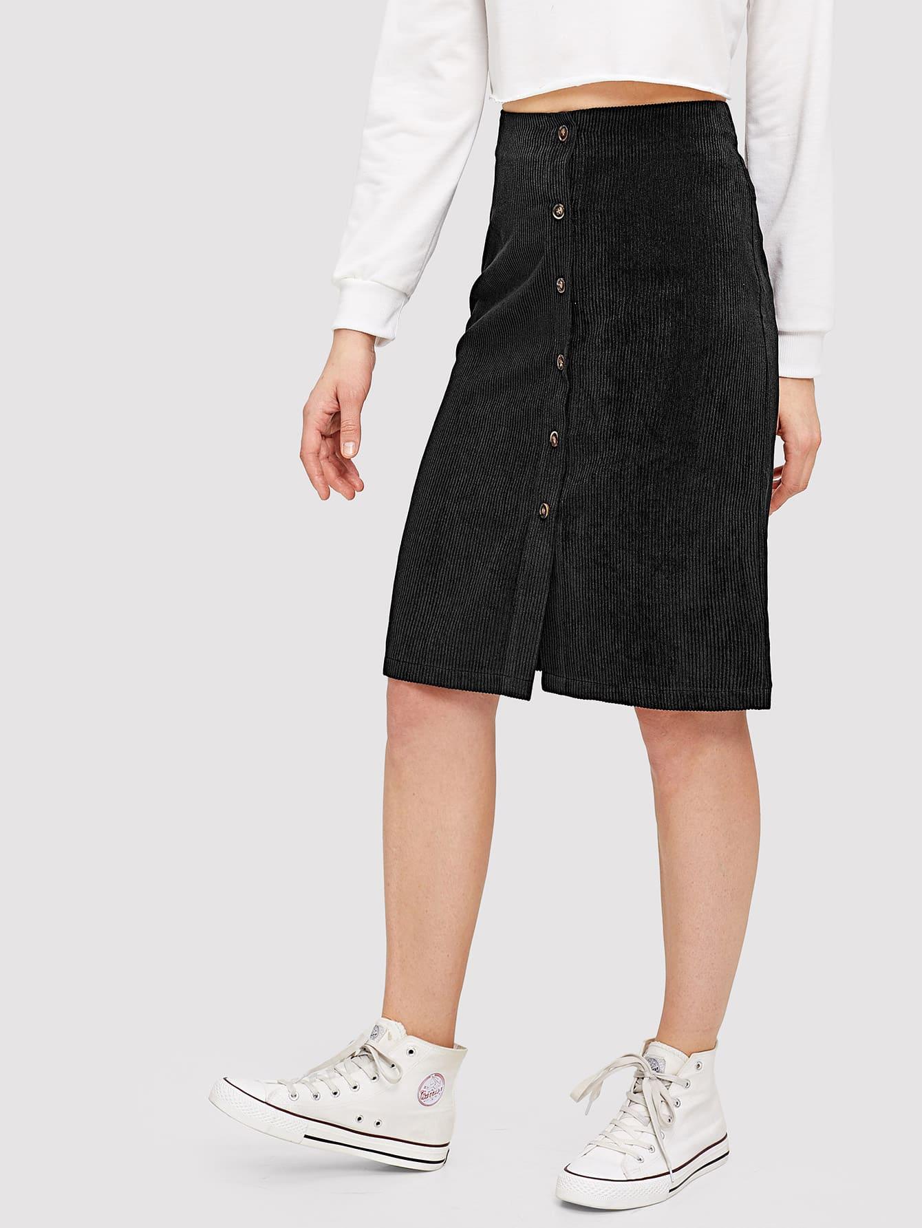 Фото - Вельветовая юбка на пуговицах от SheIn черного цвета