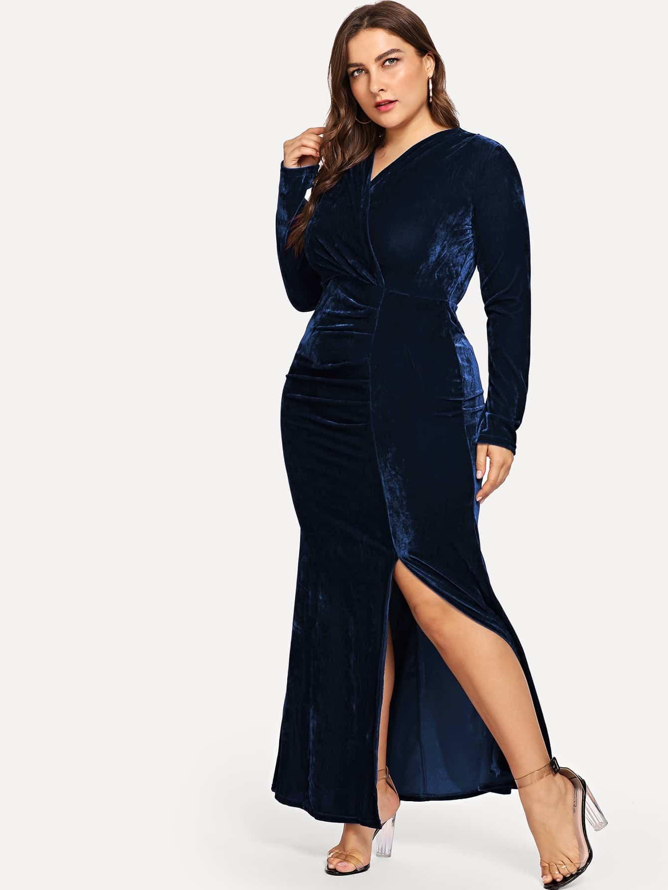 Размера плюс бархатное платье с разрезом