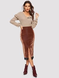 Contrast Lace Hem Slit Velvet Skirt