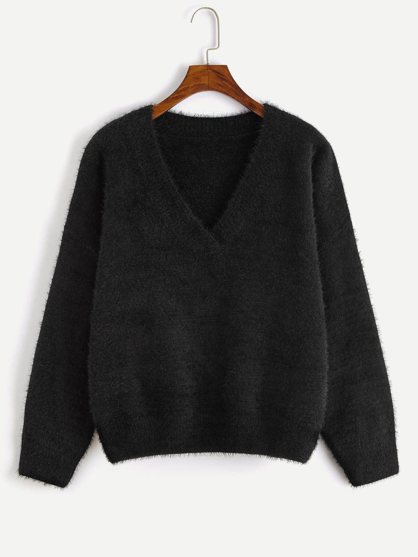 Однотонный пушистый свитер с глубоким v-образным вырезом SheIn