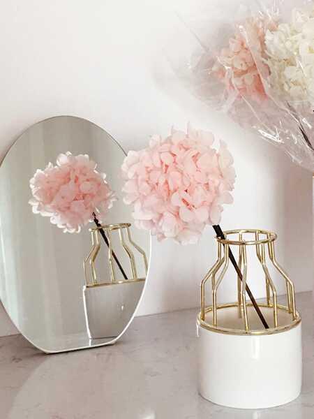 Iron Shelve Flower Vase 1pc