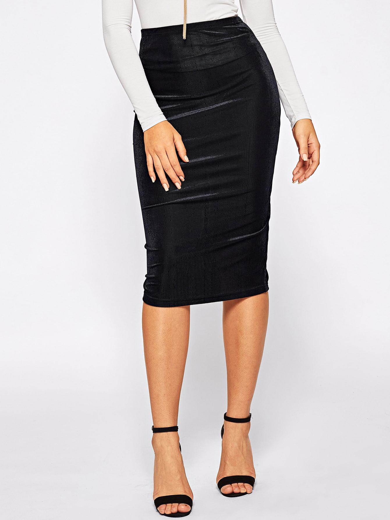 Фото - Одноцветная юбка с эластичной талией от SheIn черного цвета