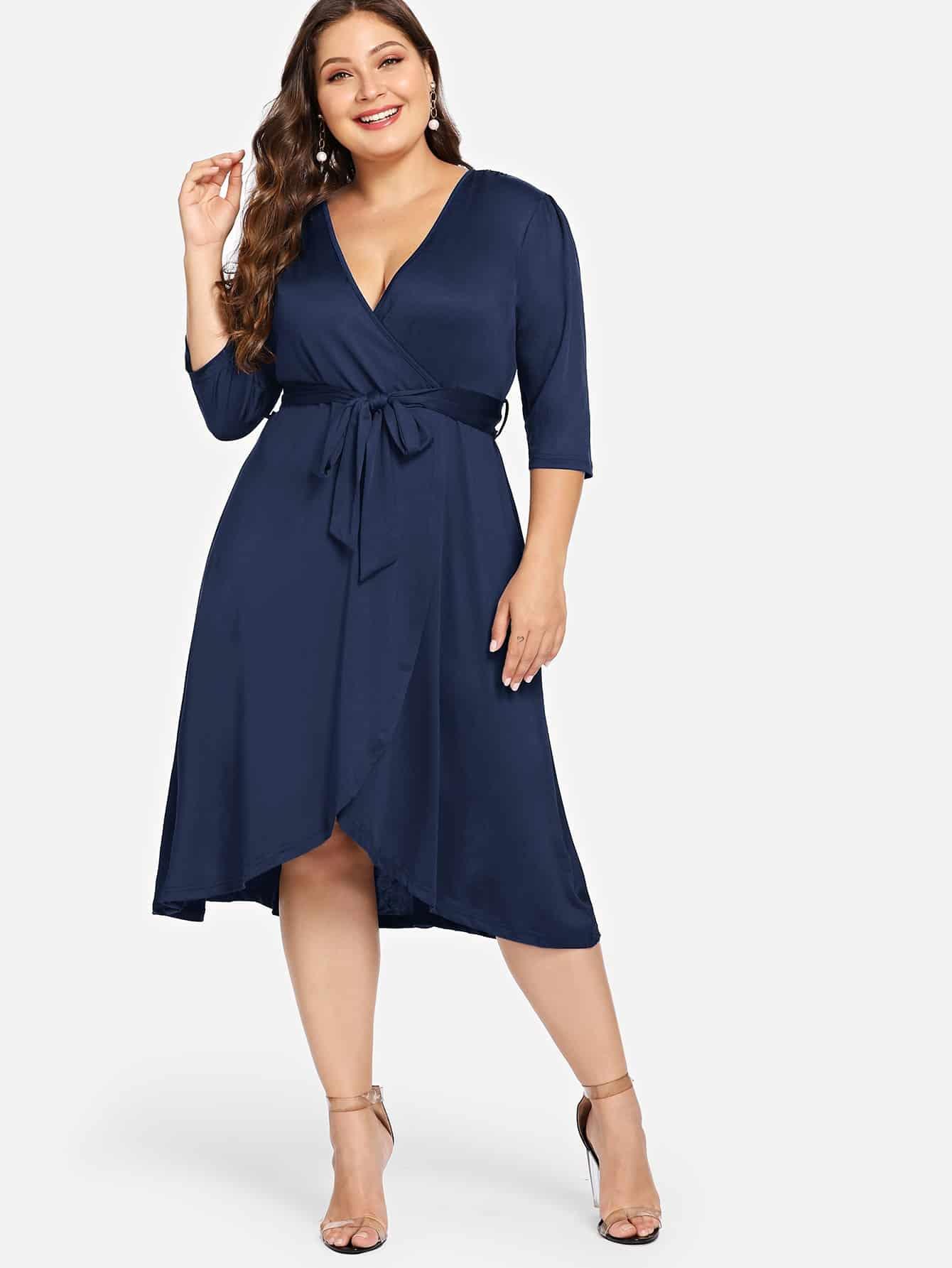 Размер плюс платье с глубоким v-образным вырезом