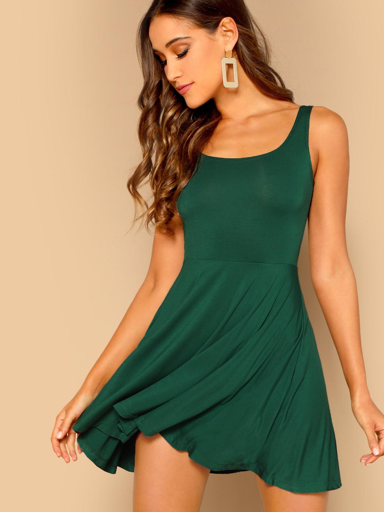 Купить Прилегающее расклешенное платье без рукавов, Anna Herrin, SheIn
